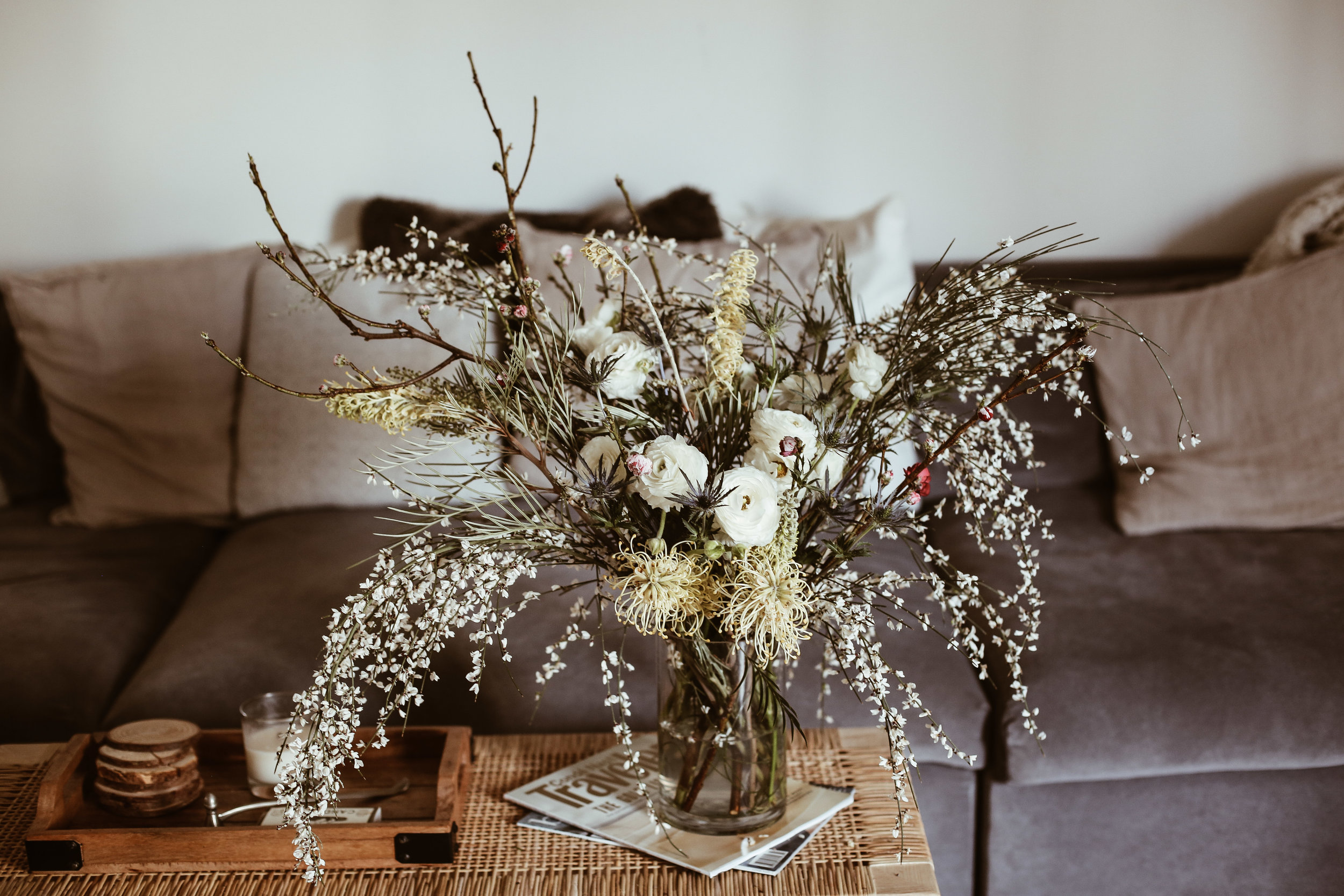 SPRING FLOWER ARRANGEMENT - DWELL // FEATURED STORY