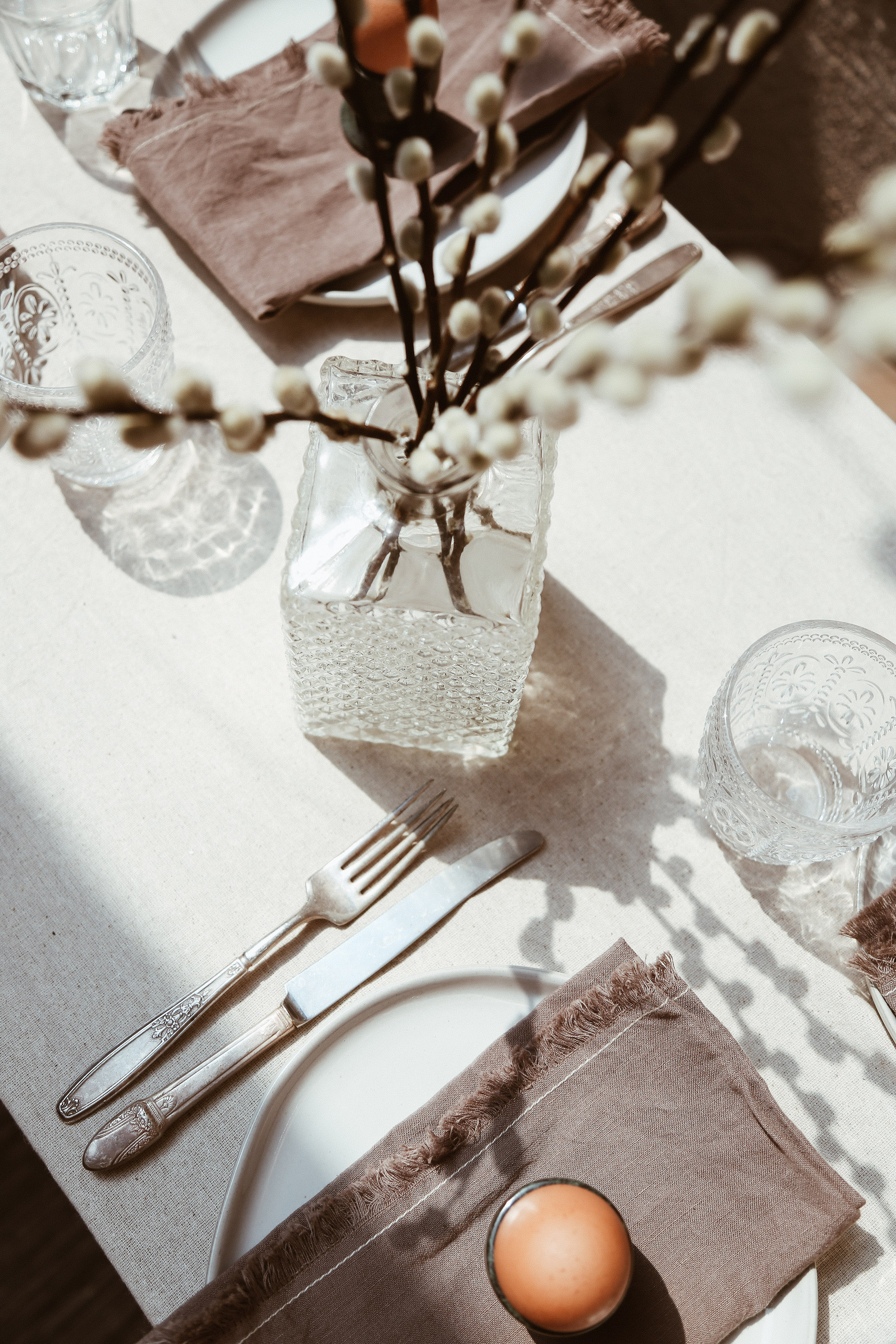 simple easter table decor-4.jpg