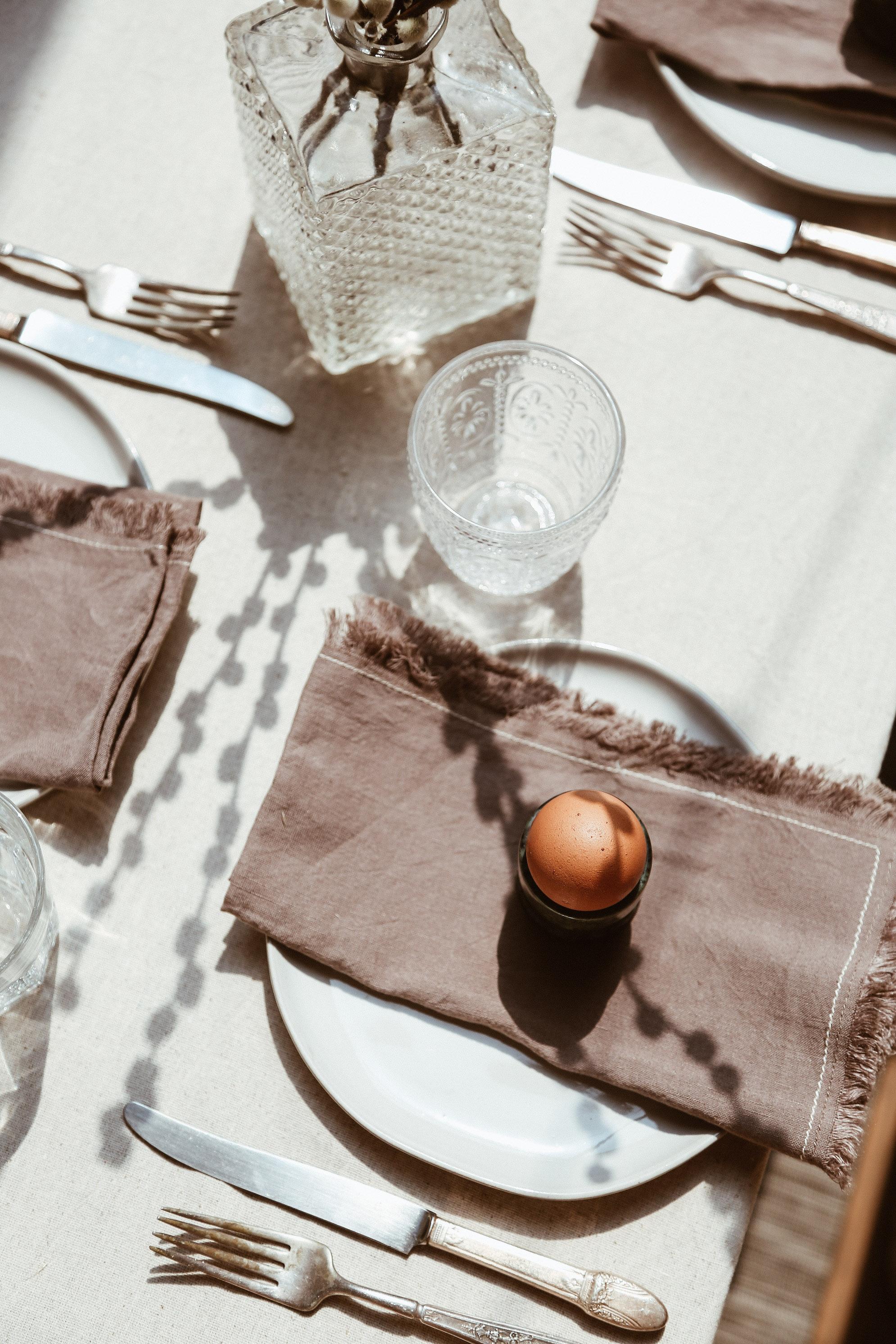 simple easter table decor-13.jpg
