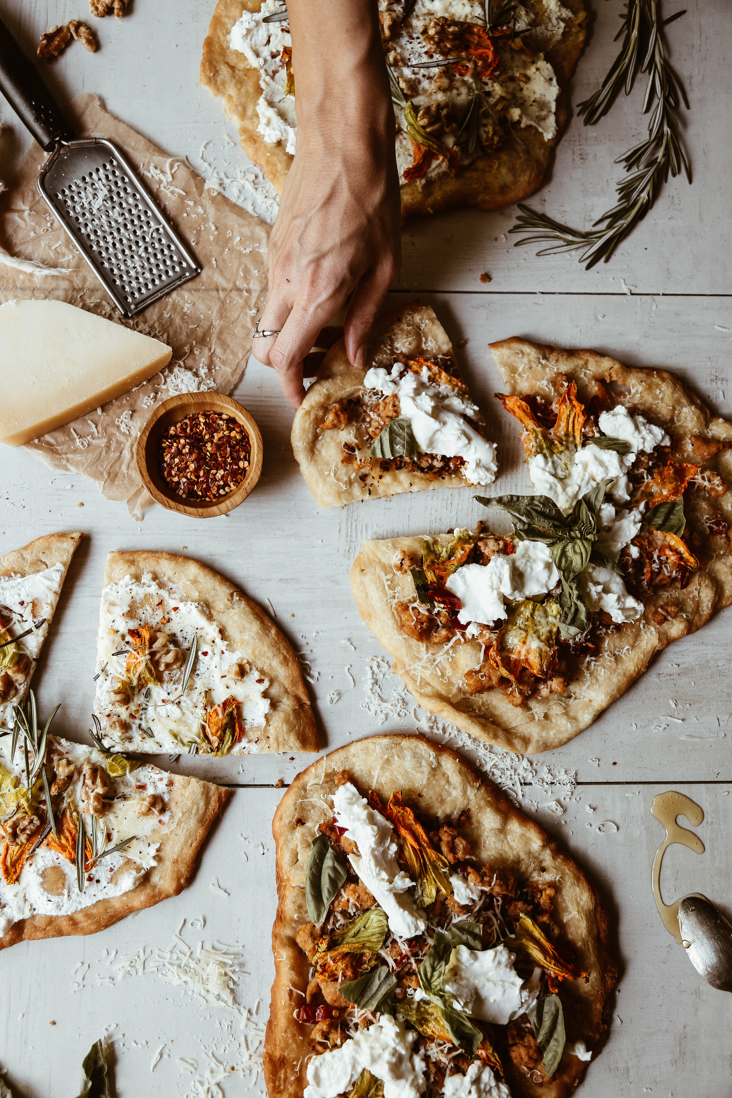 fried pizza with squash blossoms-14.jpg