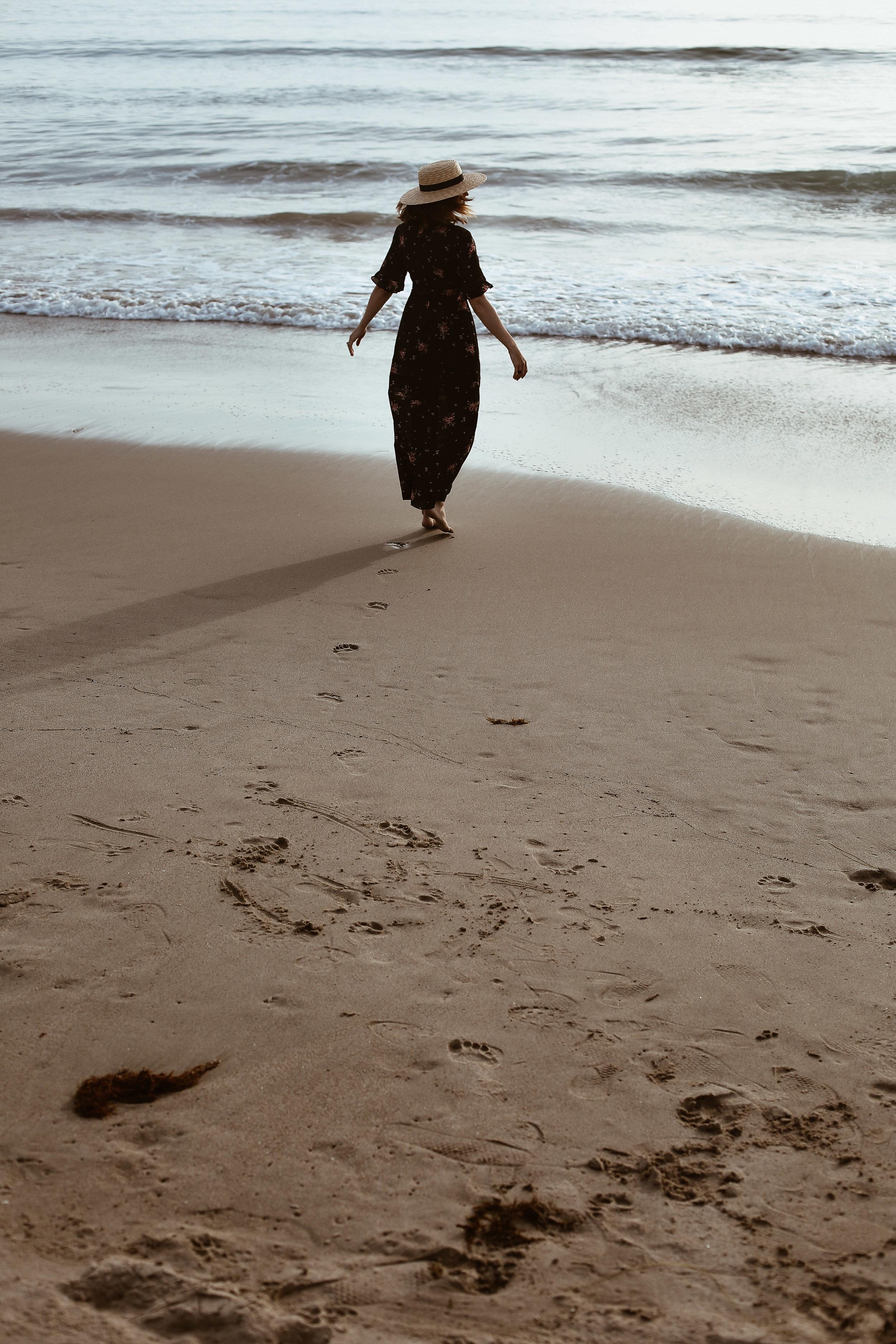 maxi dress at the beach1.jpg