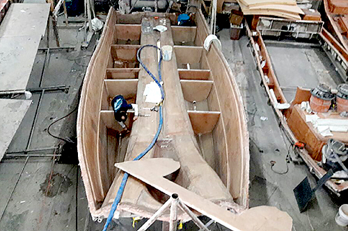 Mold TIME - Prowler hulls stay in the mold for a minimum of one week to fully cure out before removal. During that time, fuel tanks are installed and liners bonded in. The result: the truest, fairest hulls you'll find anywhere.
