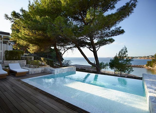 The wait is over! Four Seasons Astir Palace Hotel Athens has opened its doors. The place to be on the Athenian Riviera this summer  @fsathens