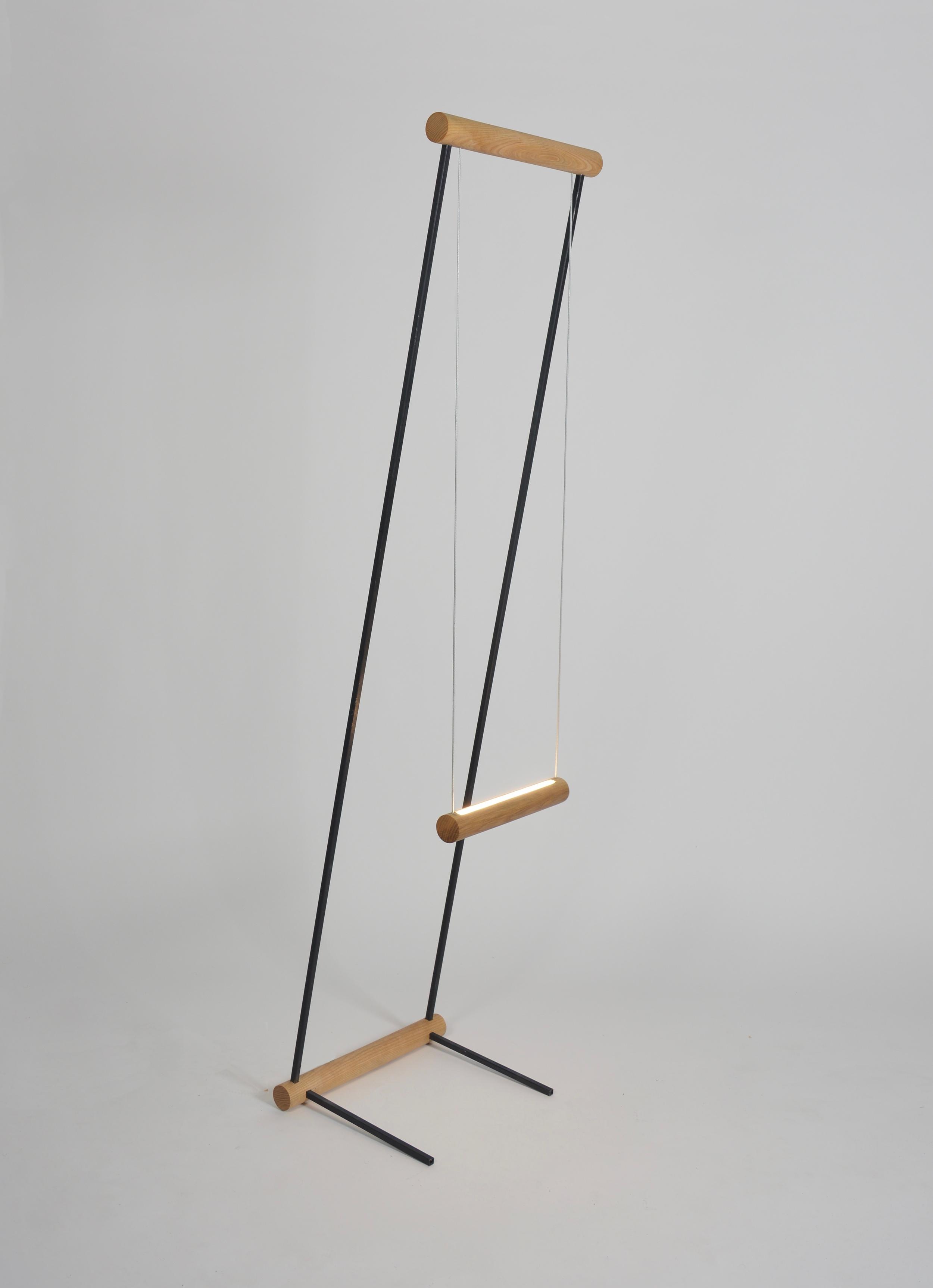OVUUD - Swing Floor Lamp.png