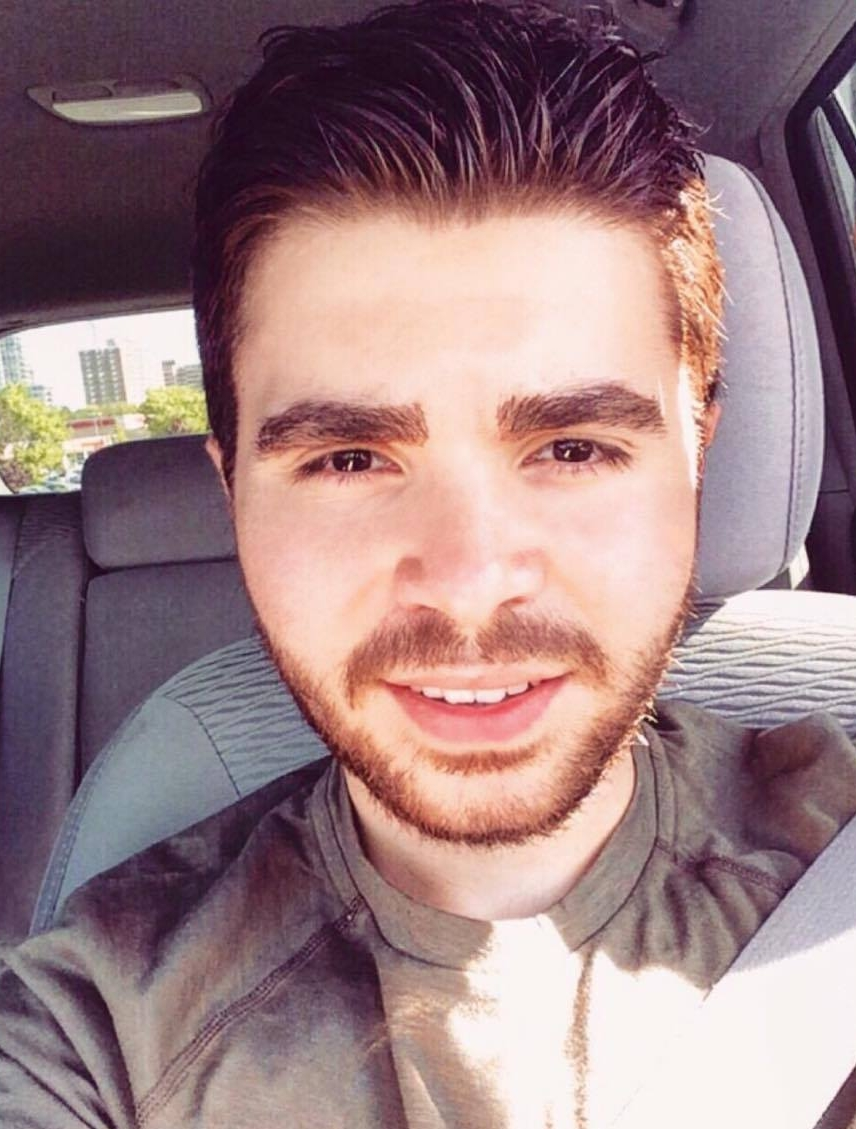 19-year-old Syrian refugee Christ Merjanian snaps a selfie in his car. (Facebook.)