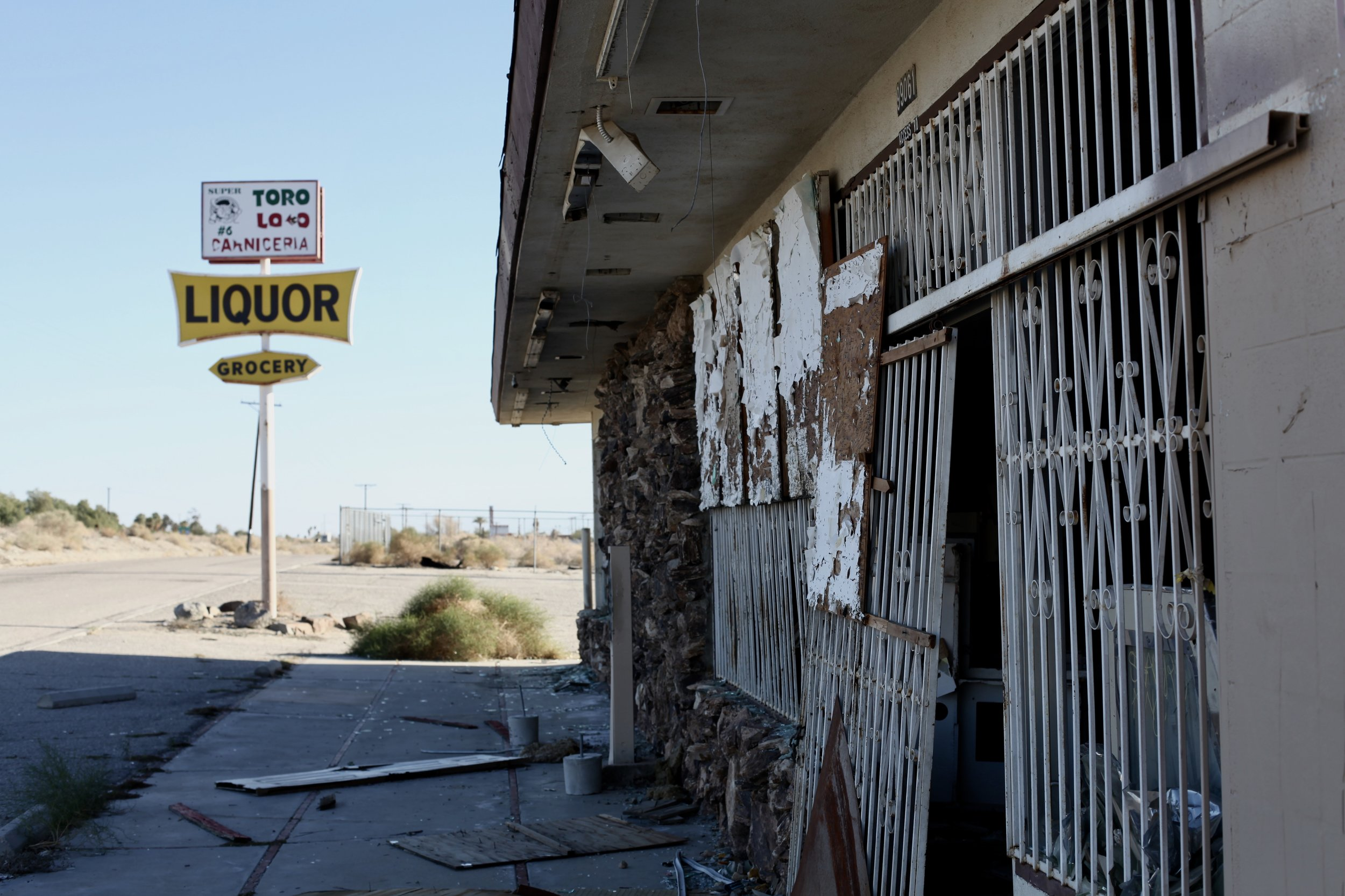 The crumbling exterior of the abandoned Toro Loco Carniceria and Grocery in North Shore, Calif. on Jan. 6, 2017.(Photo by Ethan Jakob Craft.)