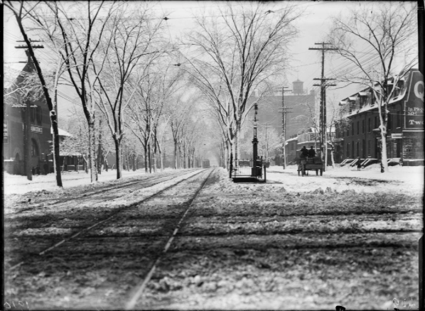 Spadina Avenue, looking south from Queen Street, 1914