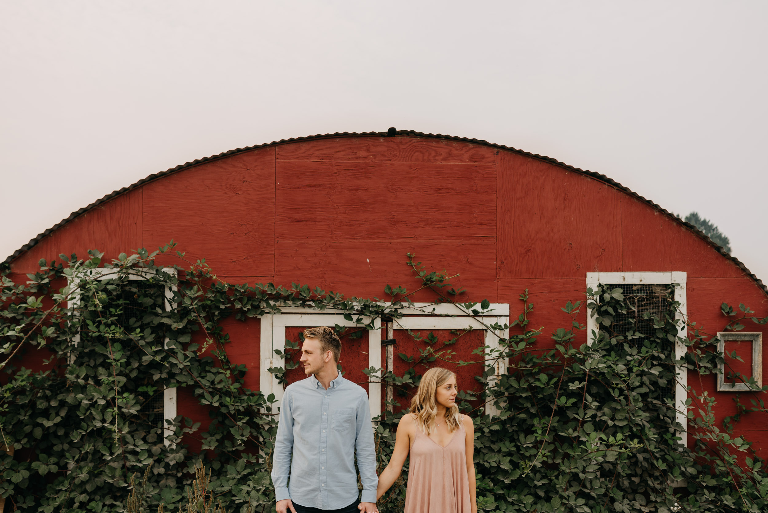 Oregon-Red-Barn-Door-Engagement-Sauvie-3376.jpg