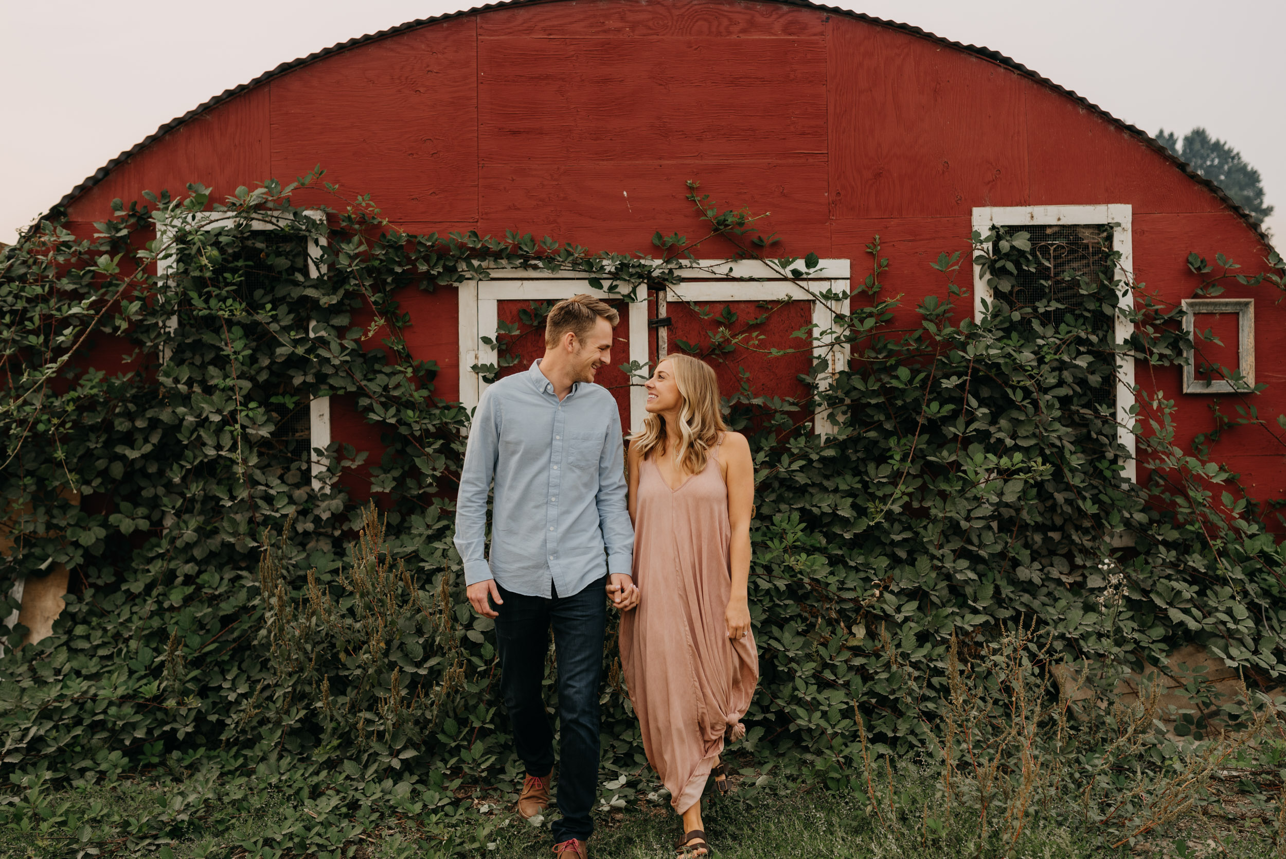 Oregon-Red-Barn-Door-Engagement-Sauvie-3424.jpg