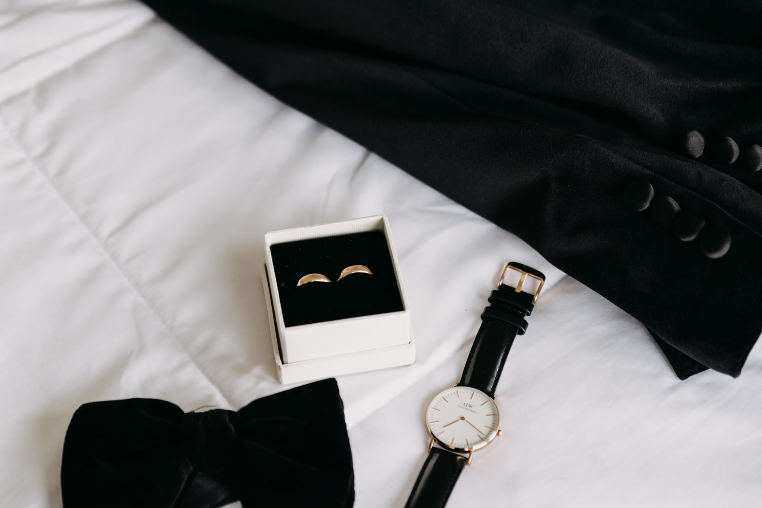 10Portland-Wedding-Getting-Ready-Daniel-Wellington.jpg
