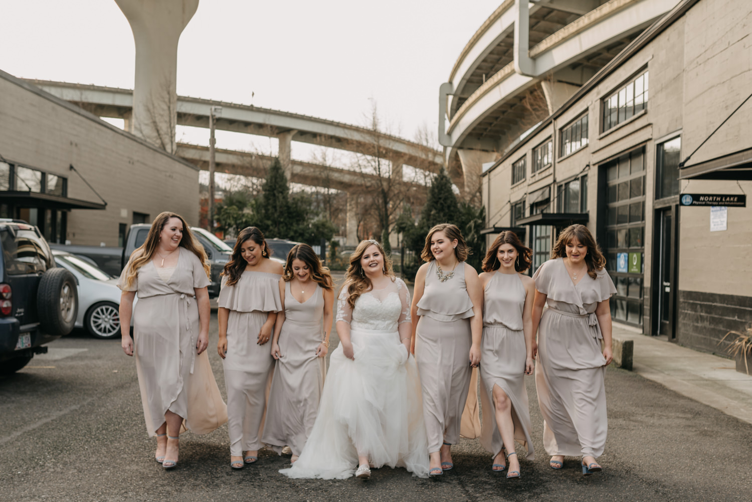 17Portland-Wedding-Getting-Ready-bridesmaids-pearl-district.jpg