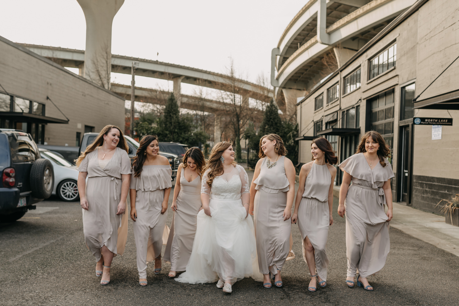 18Portland-Wedding-Getting-Ready-bridesmaids-pearl-district.jpg