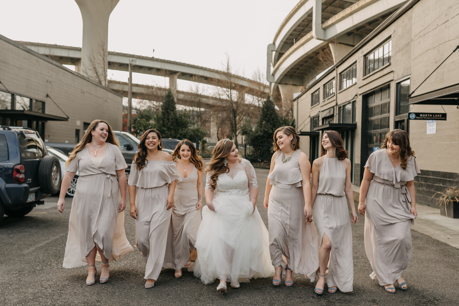 20Portland-Wedding-Getting-Ready-bridesmaids-pearl-district.jpg
