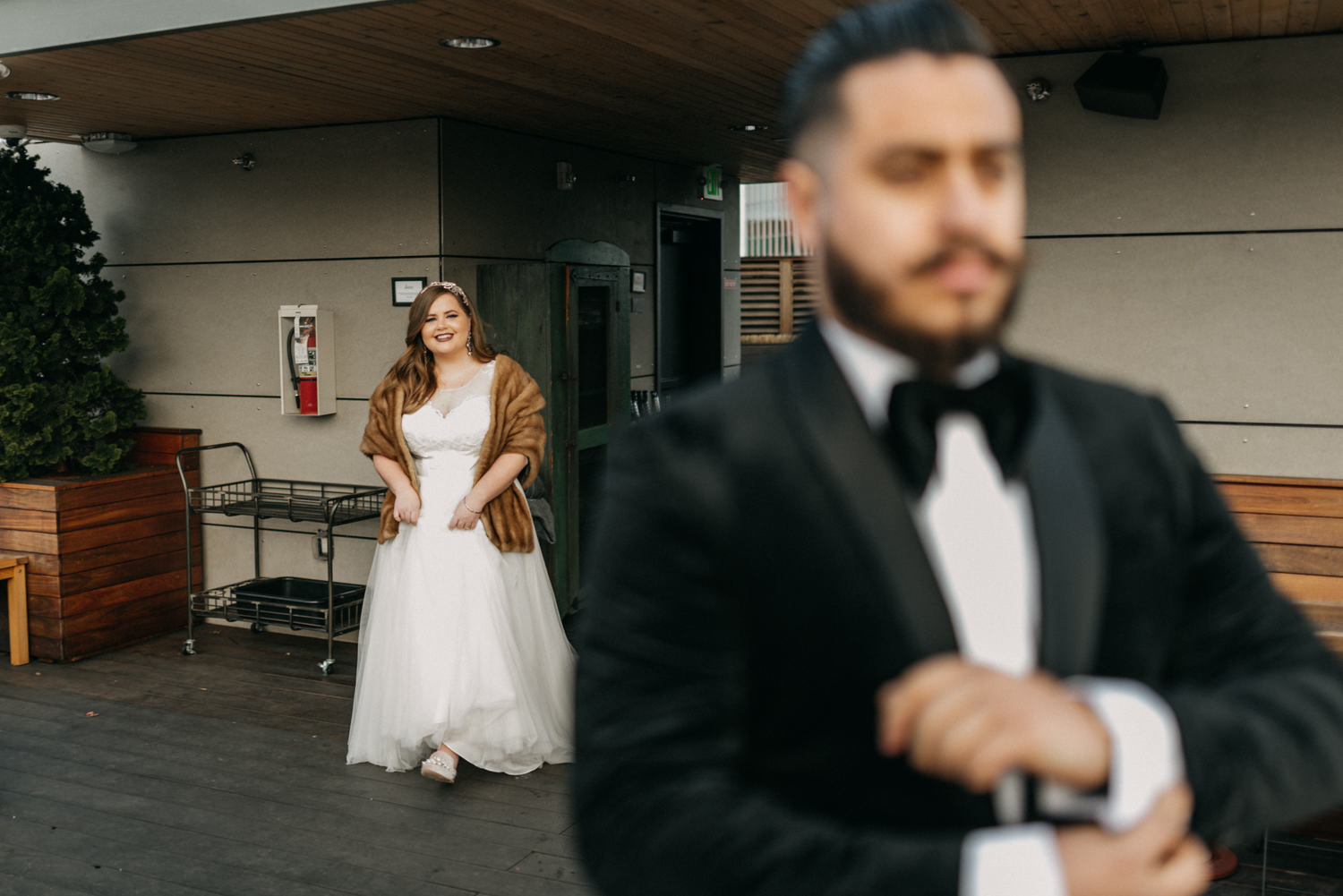 30Portland-Wedding-first-look-society-hotel-downtown.jpg