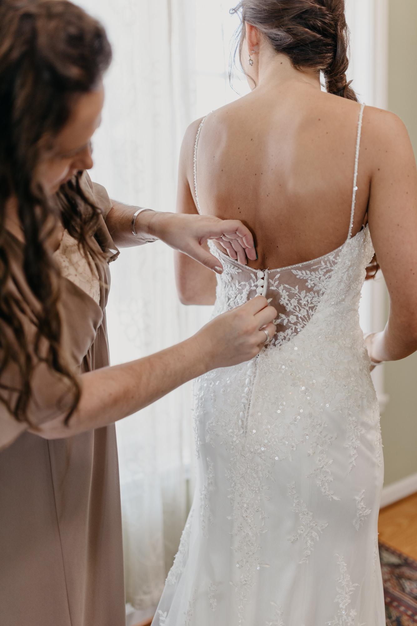 21-Getting-Ready-barn-kestrel-wedding-photos-grey-suit.jpg