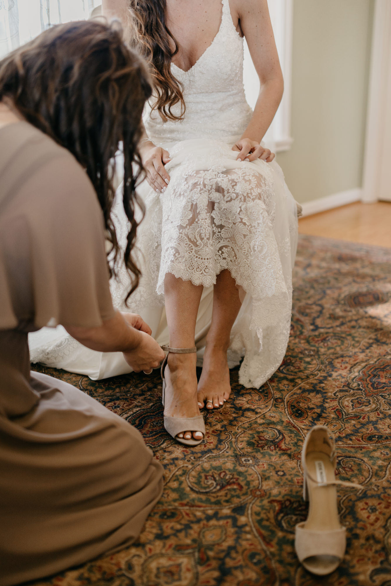 27-Getting-Ready-barn-kestrel-wedding-photos-grey-suit.jpg