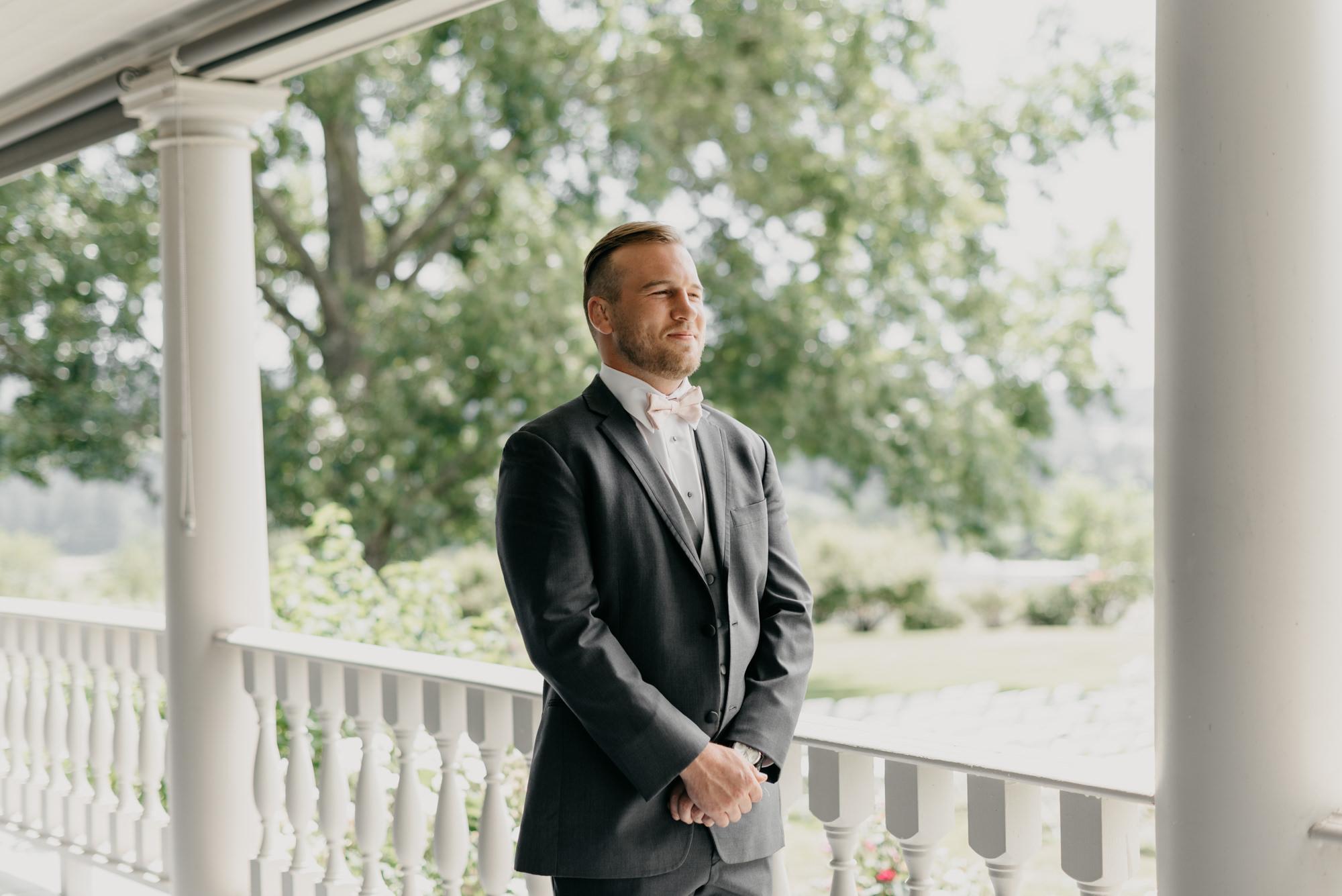 41-first-look-barn-kestrel-wedding-lake-oswego-wedding.jpg