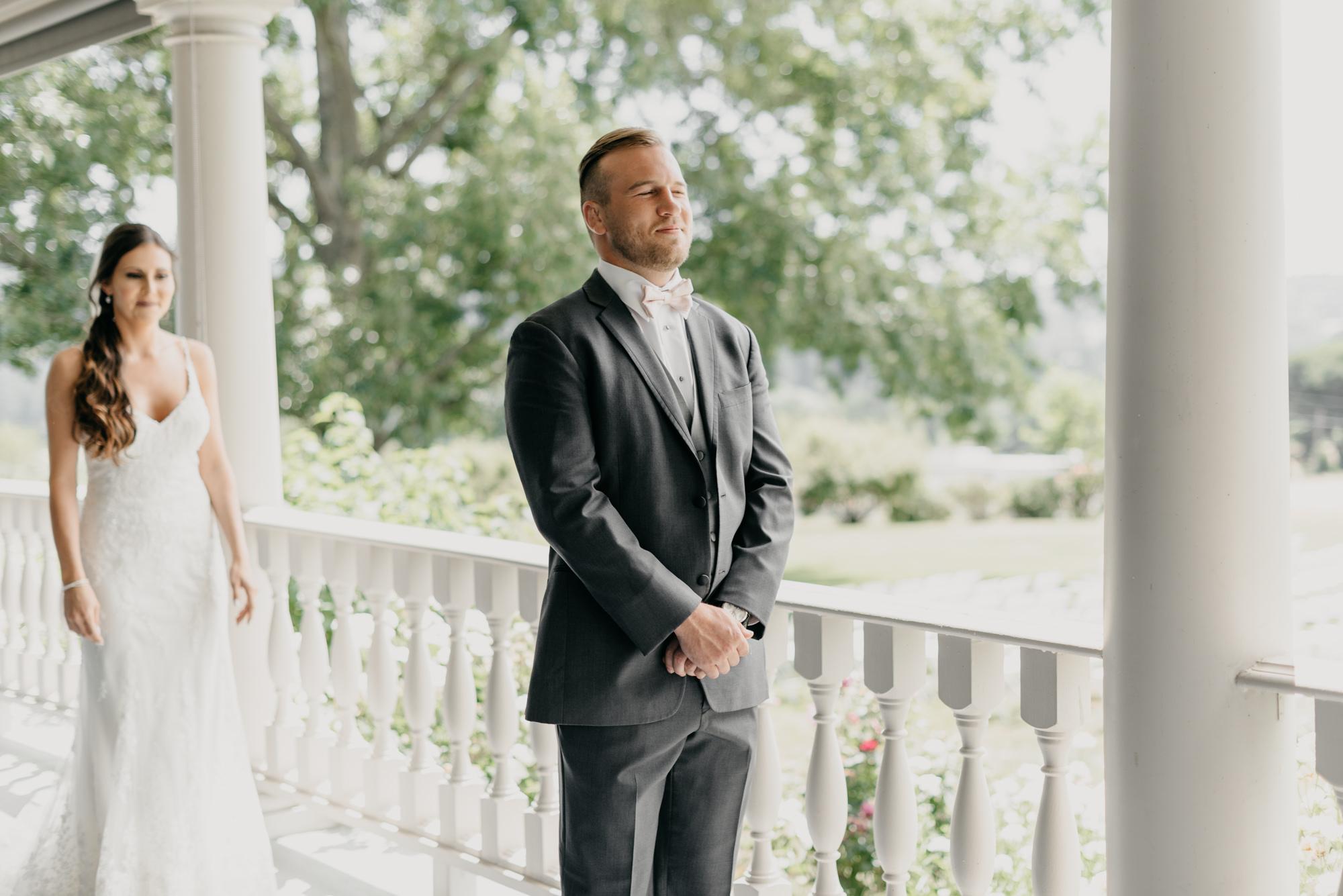 43-first-look-barn-kestrel-wedding-lake-oswego-wedding.jpg