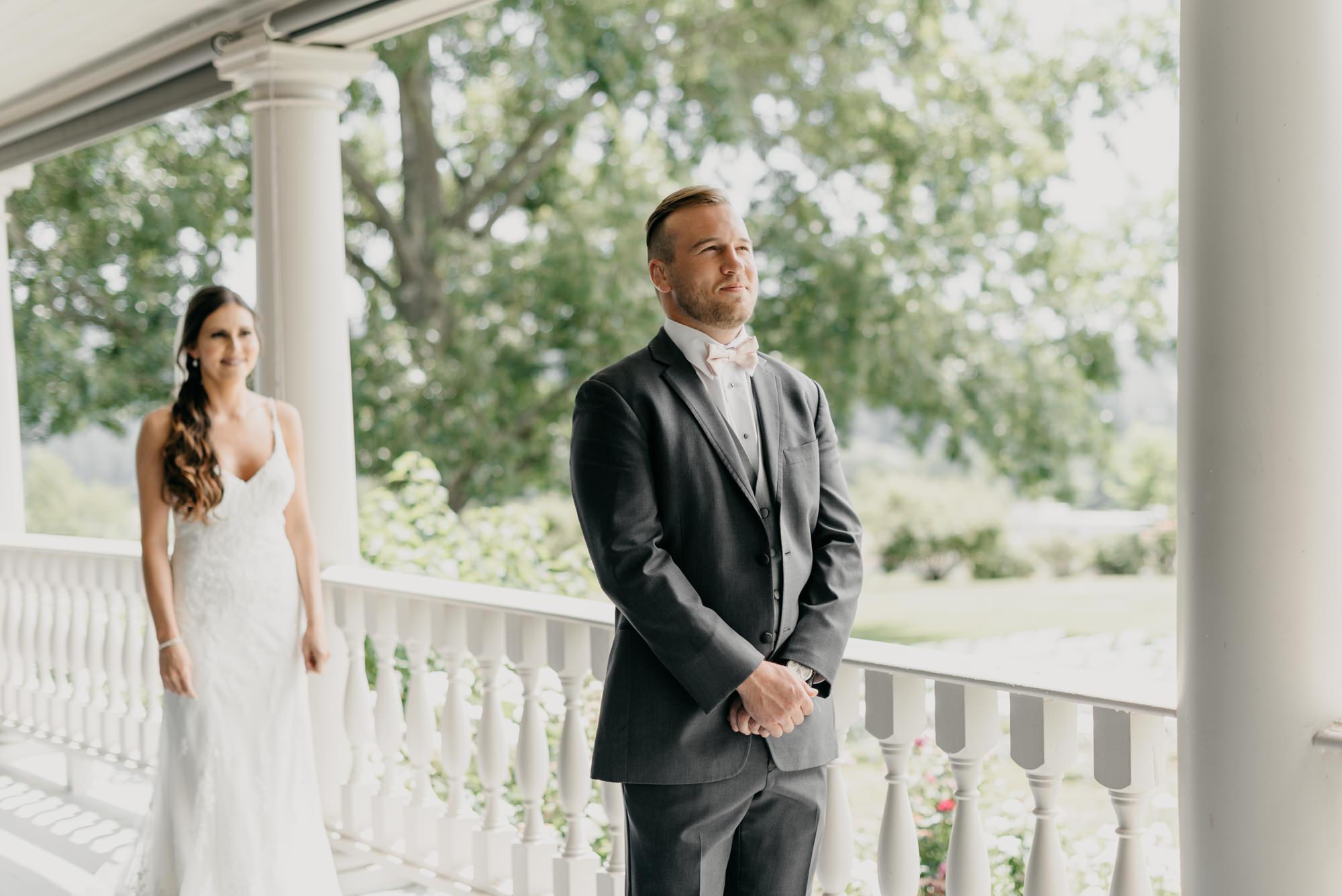 44-first-look-barn-kestrel-wedding-lake-oswego-wedding.jpg