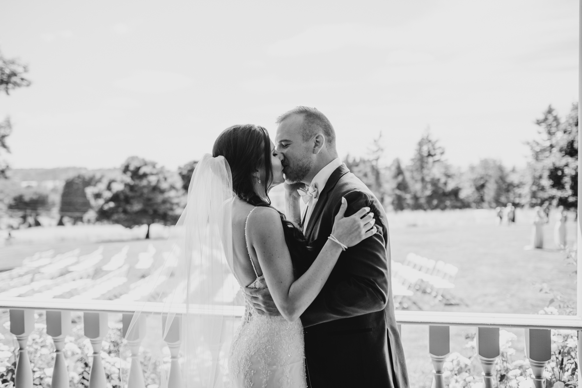 62-first-look-barn-kestrel-wedding-lake-oswego-wedding.jpg