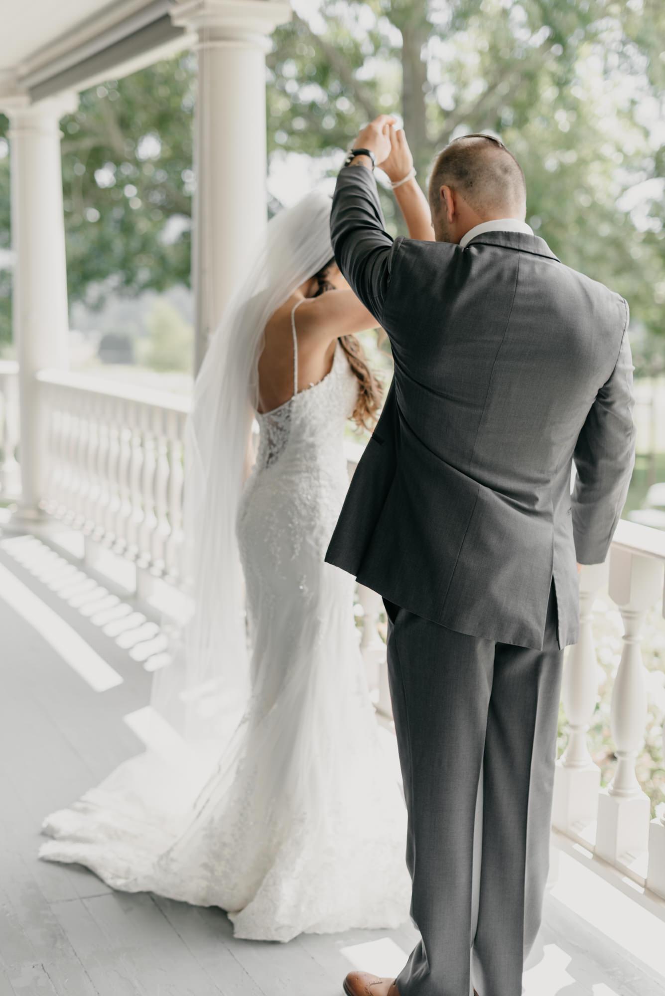 63-first-look-barn-kestrel-wedding-lake-oswego-wedding.jpg
