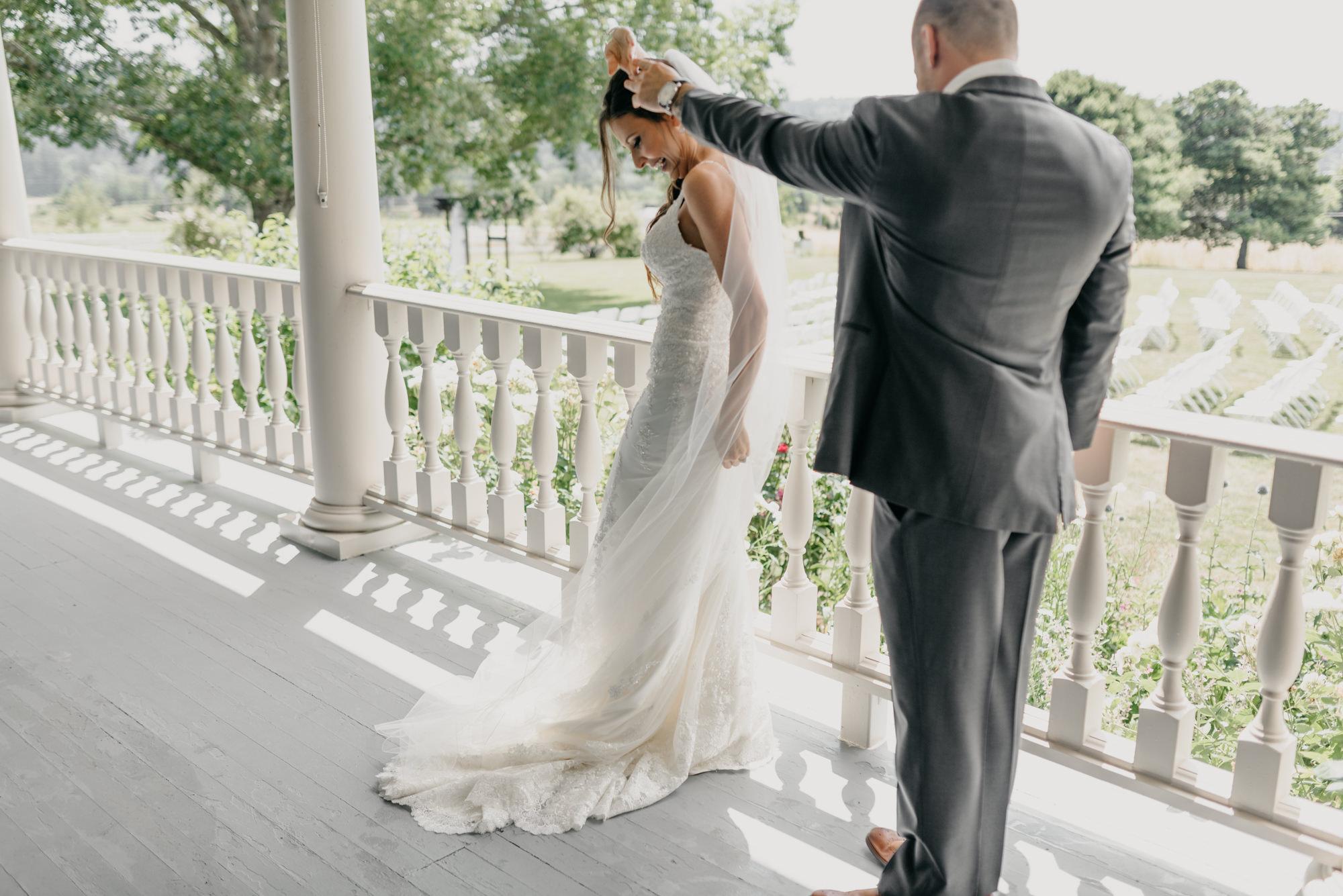 66-first-look-barn-kestrel-wedding-lake-oswego-wedding.jpg