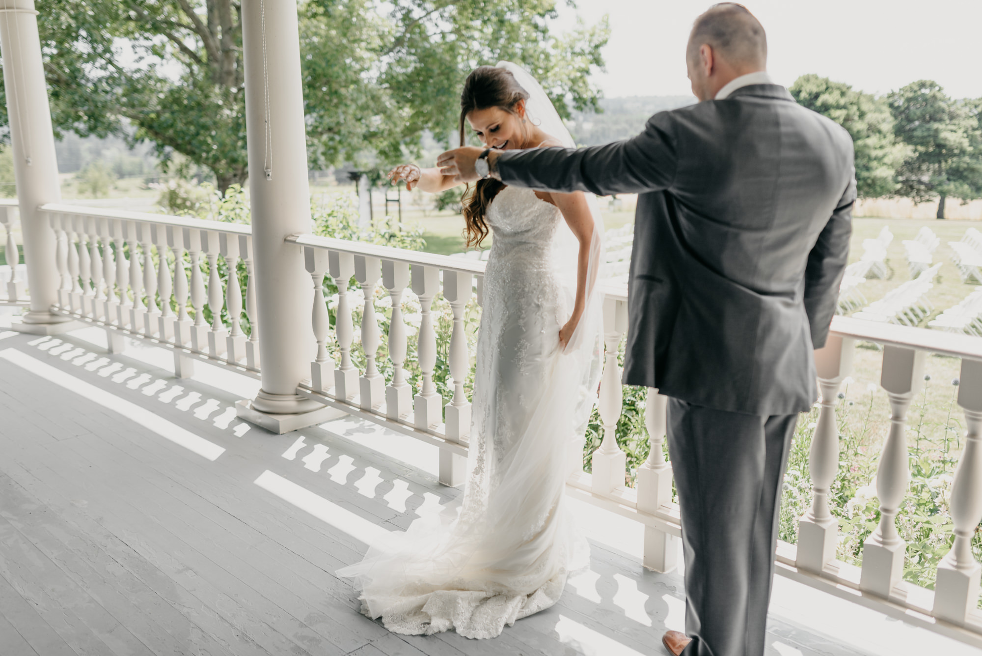 67-first-look-barn-kestrel-wedding-lake-oswego-wedding.jpg
