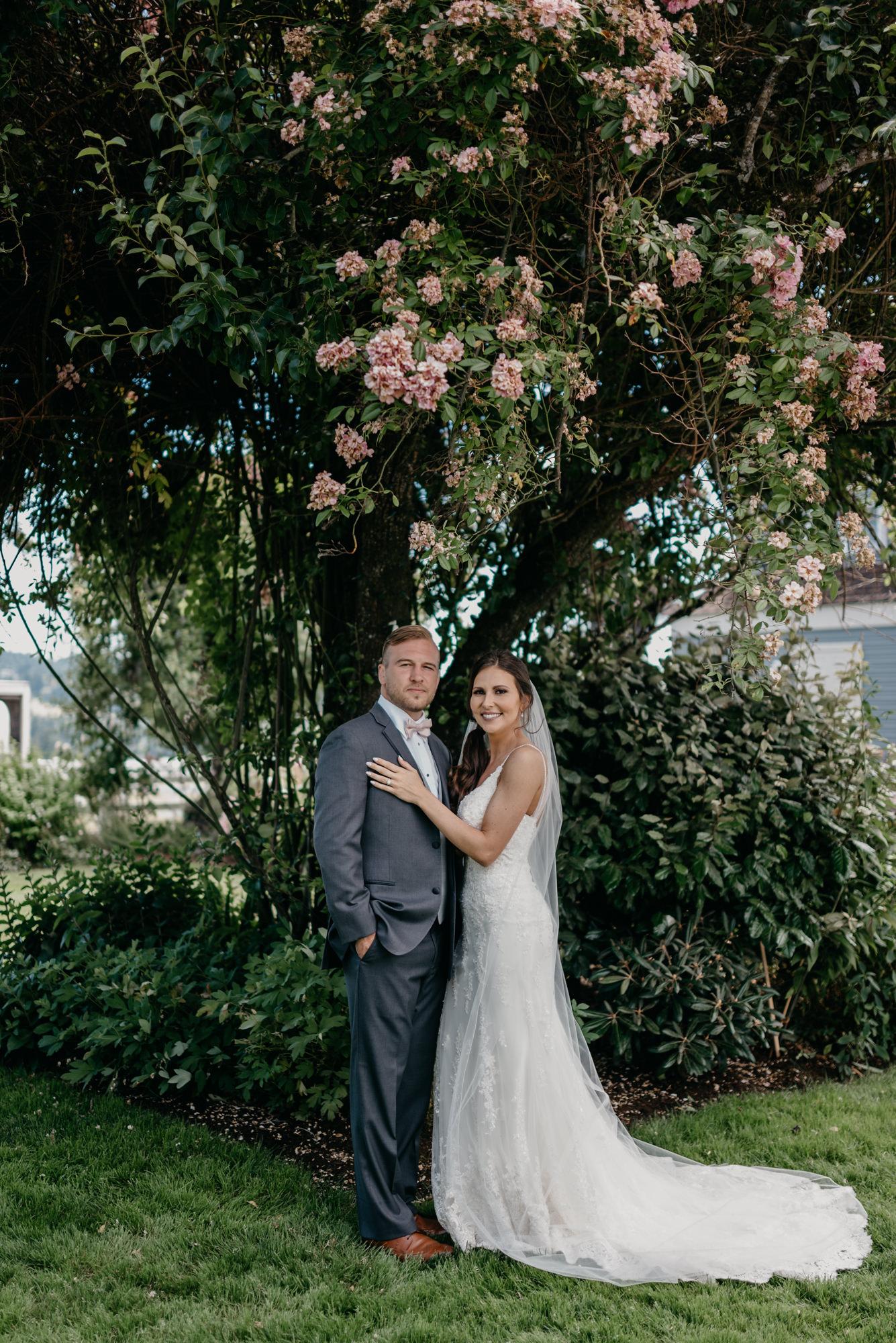 75-lake-oswego-wedding-portland-couple-rose-tree.jpg