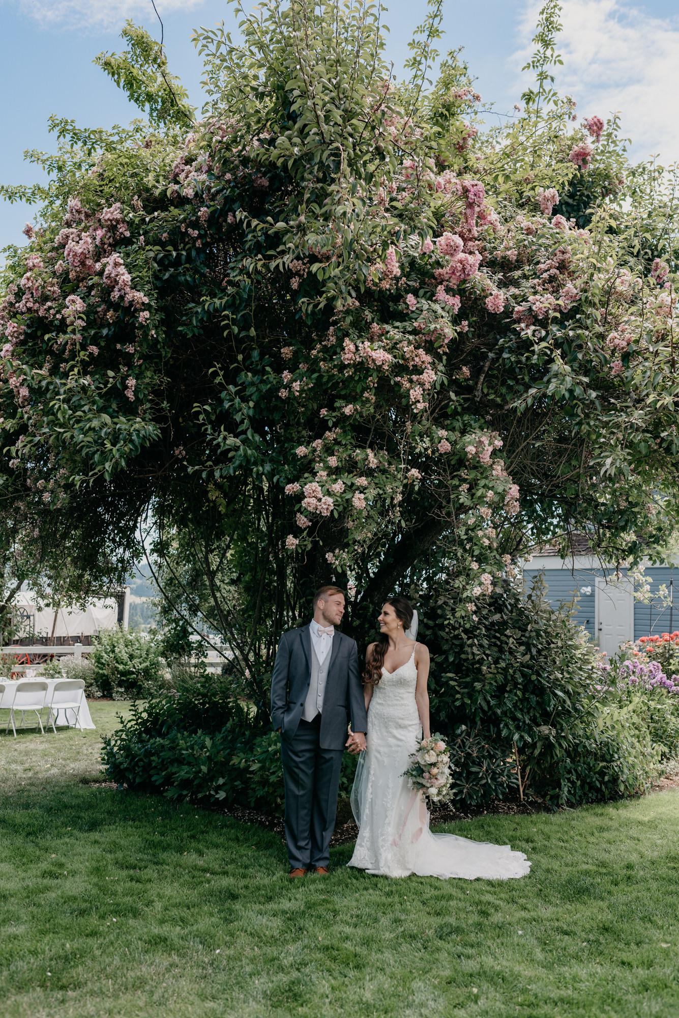83-lake-oswego-wedding-portland-couple-rose-tree.jpg