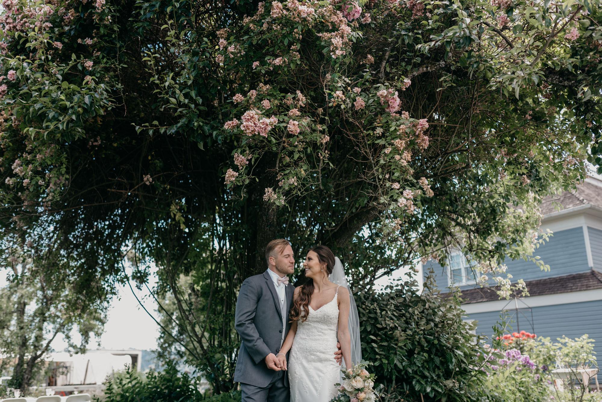 86-lake-oswego-wedding-portland-couple-rose-tree.jpg