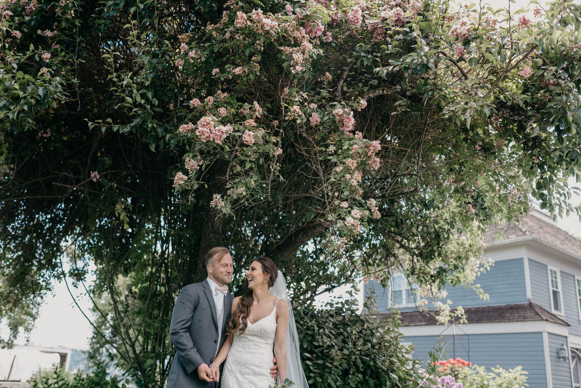 88-lake-oswego-wedding-portland-couple-rose-tree.jpg