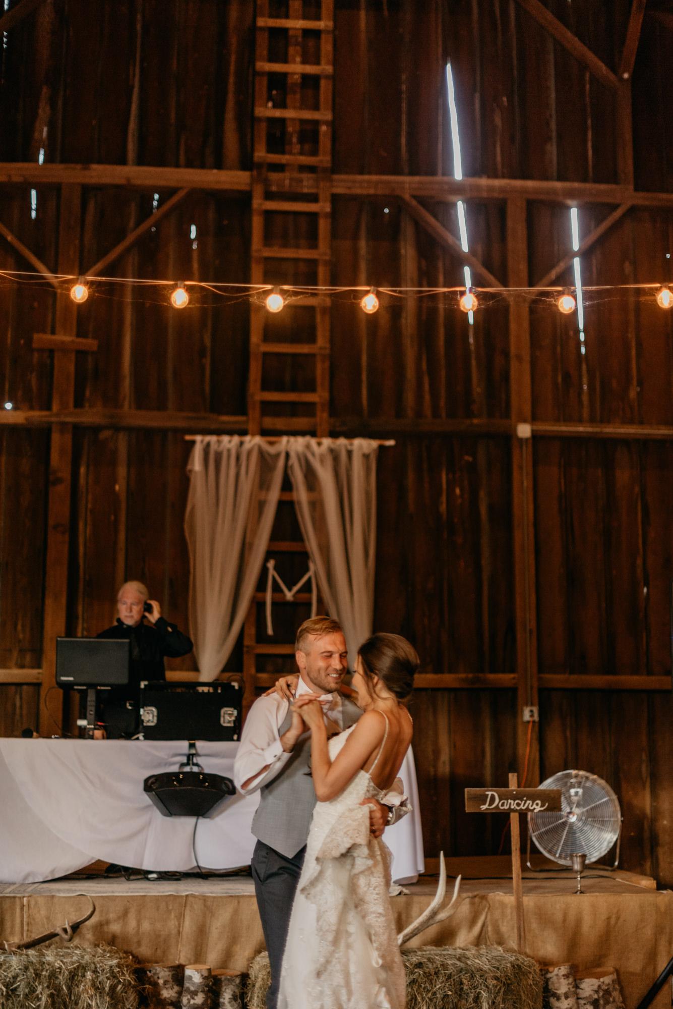140-barn-kestrel-reception-portland-northwest.jpg