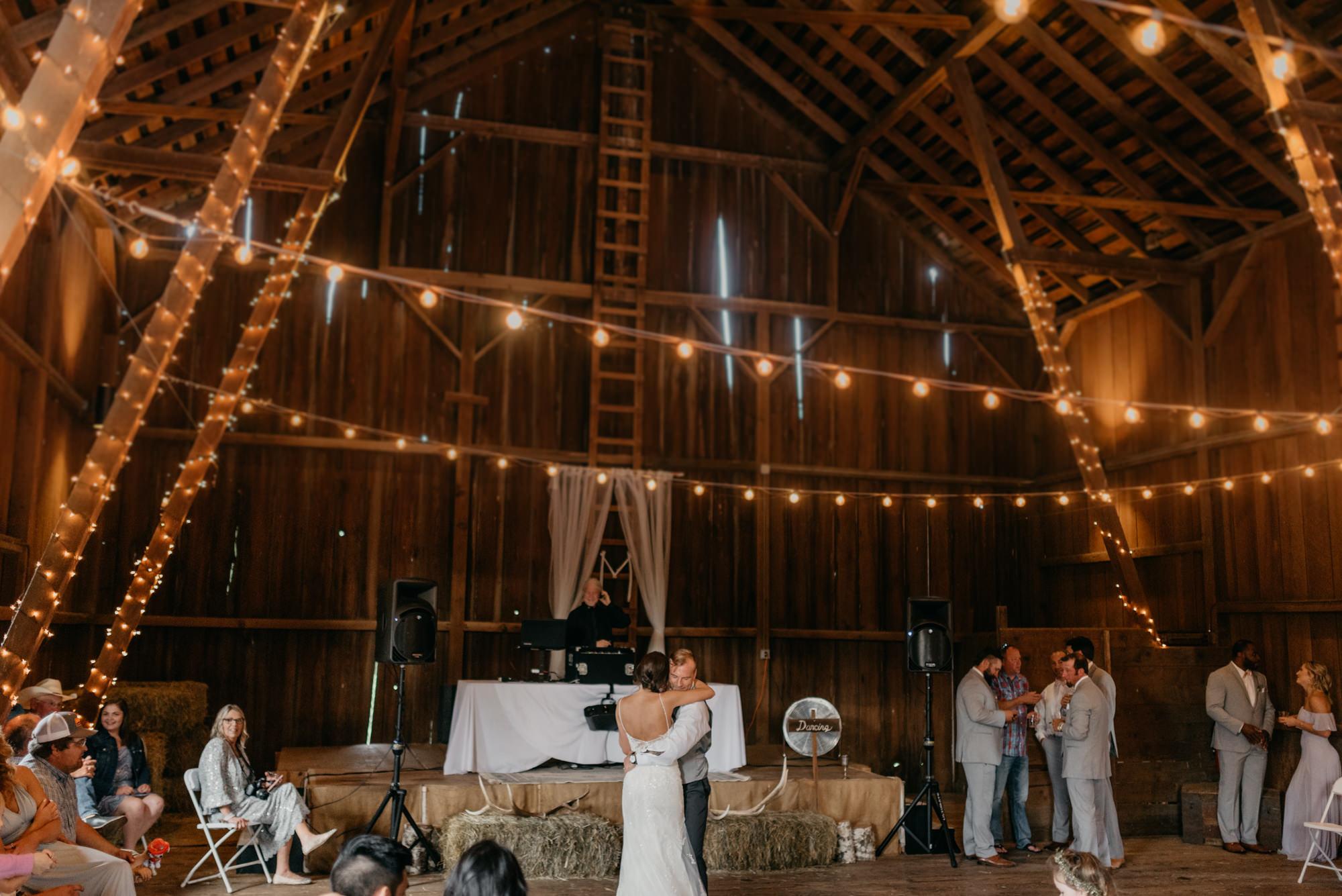 147-barn-kestrel-reception-portland-northwest.jpg