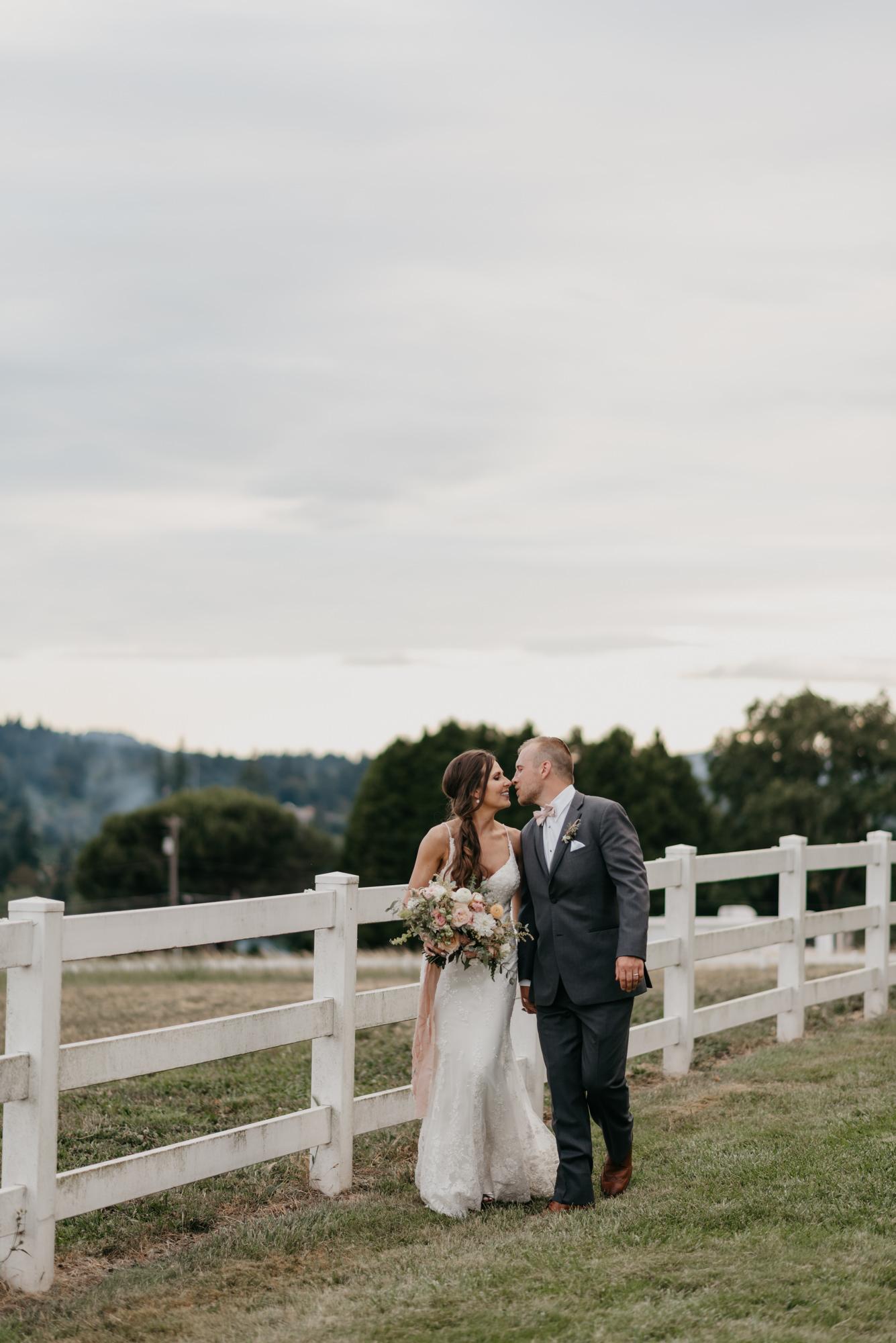 167-barn-kestrel-portland-northwest-horse-sunset-wedding.jpg