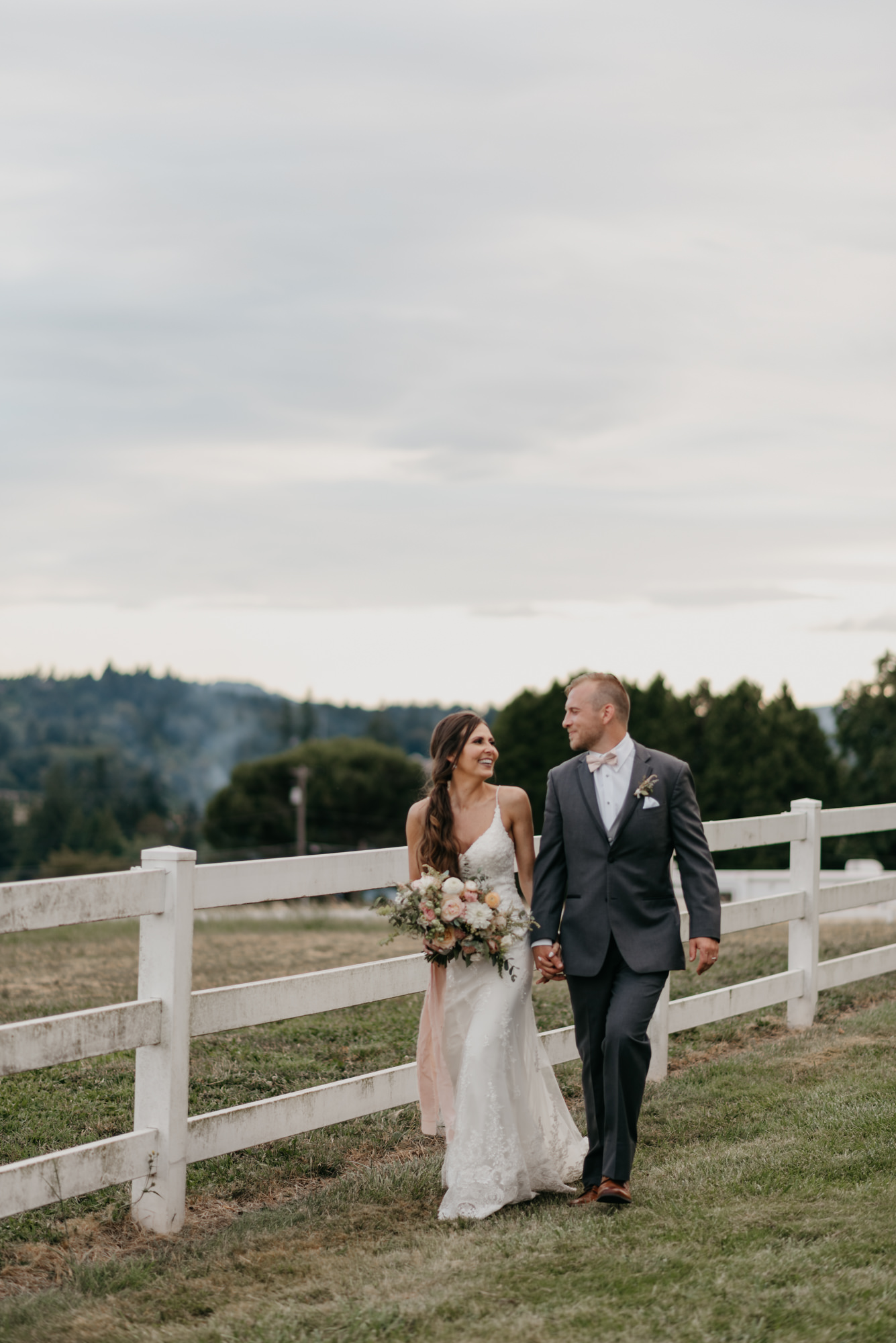 168-barn-kestrel-portland-northwest-horse-sunset-wedding.jpg