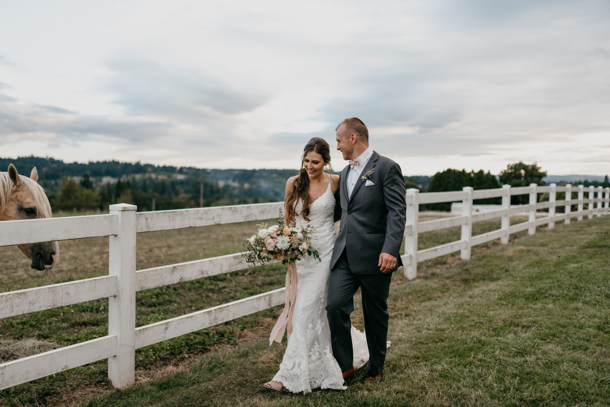 174-barn-kestrel-portland-northwest-horse-sunset-wedding.jpg