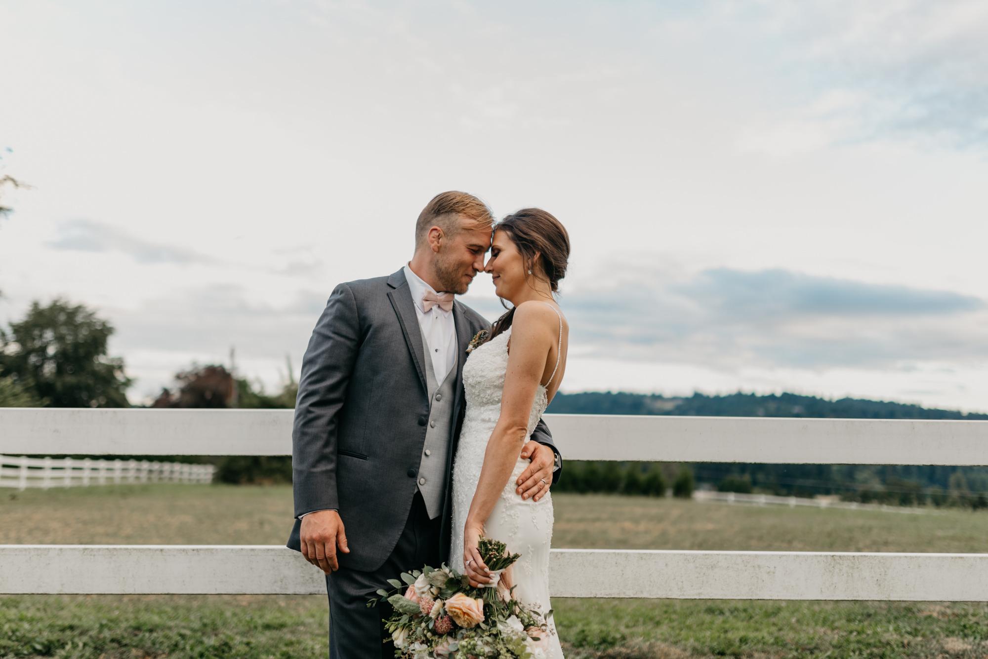 196-barn-kestrel-portland-northwest-horse-sunset-wedding.jpg
