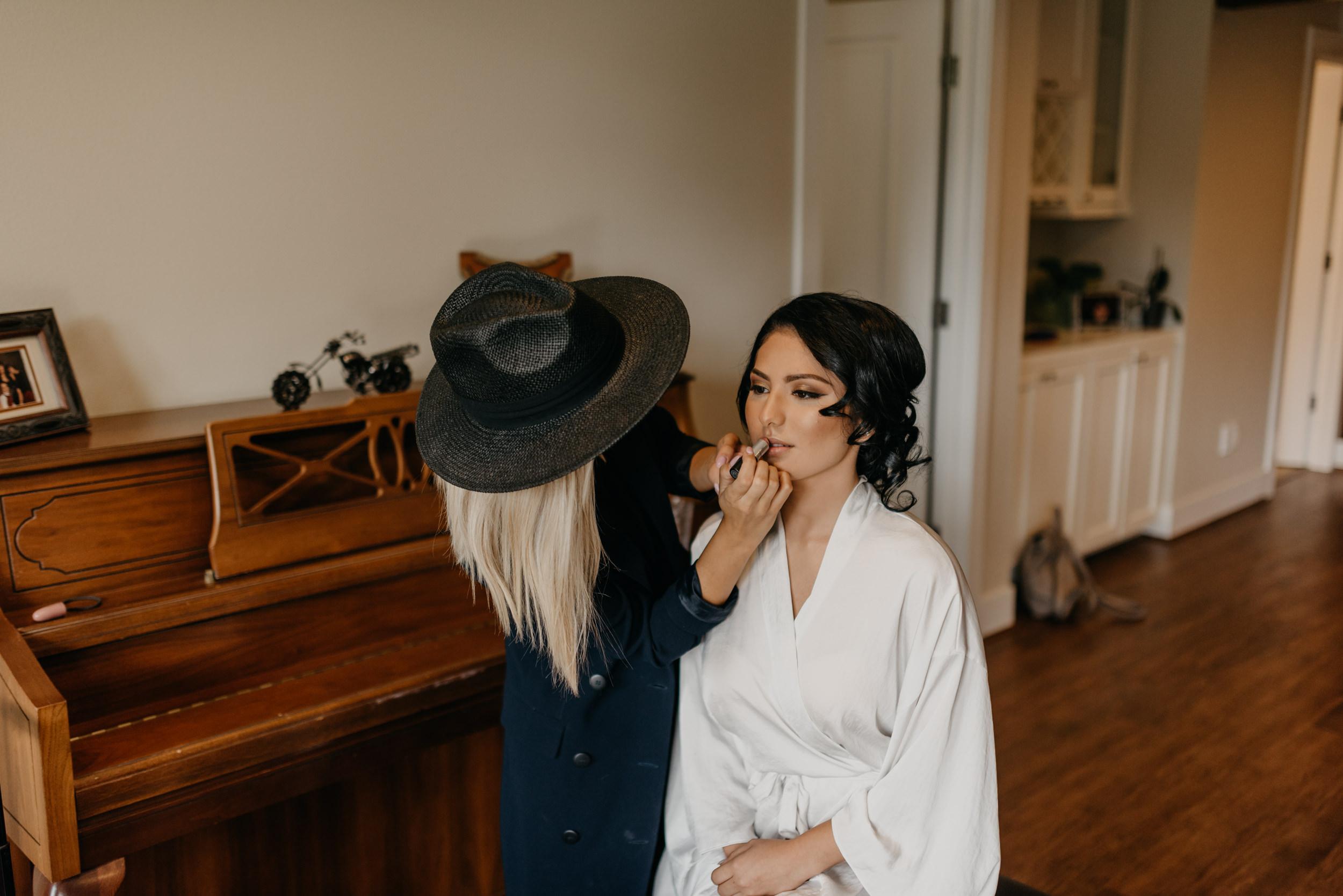 1-bride-getting-ready-groom-bridesmaids-6828.jpg