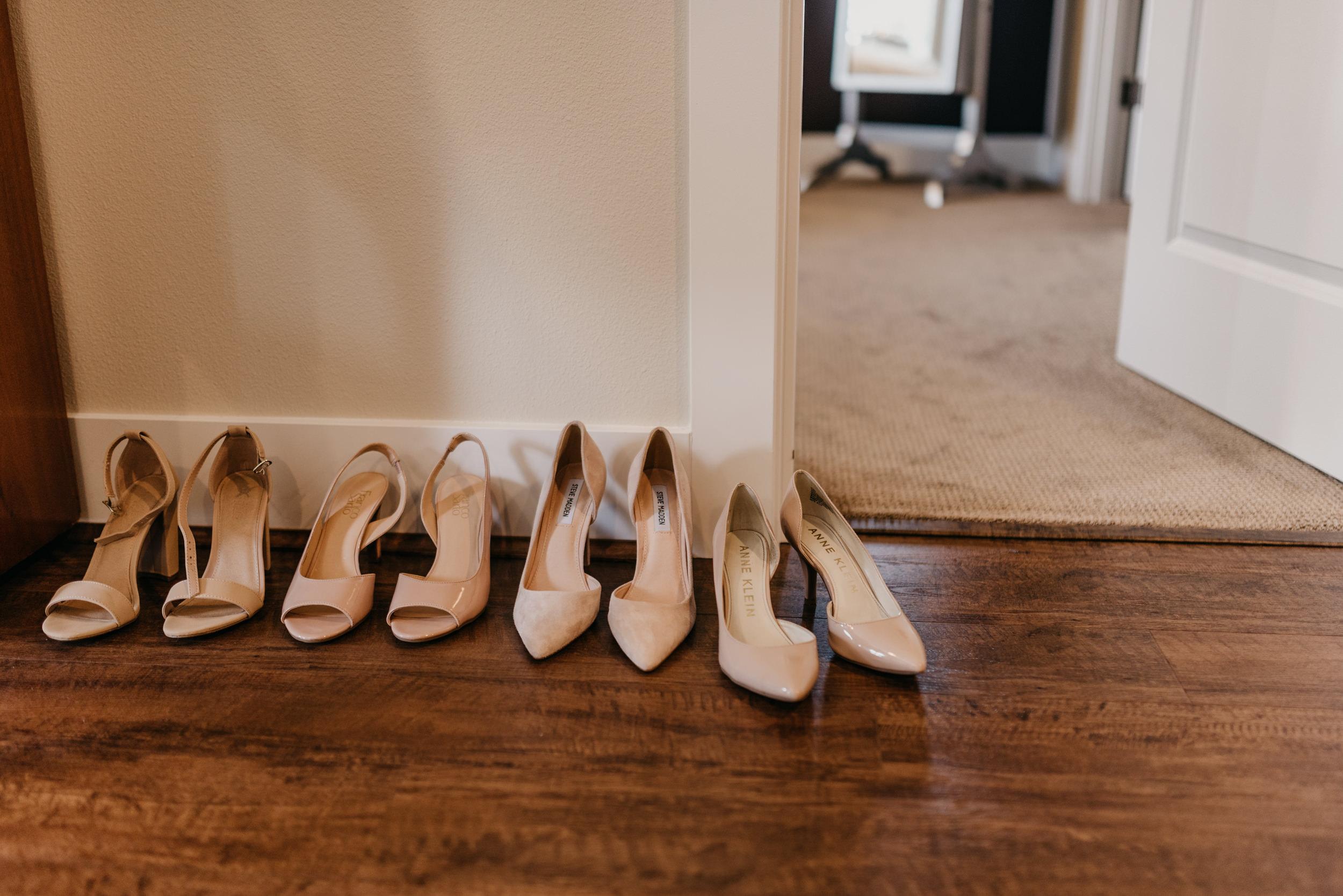 2-bride-getting-ready-groom-bridesmaids-6852.jpg