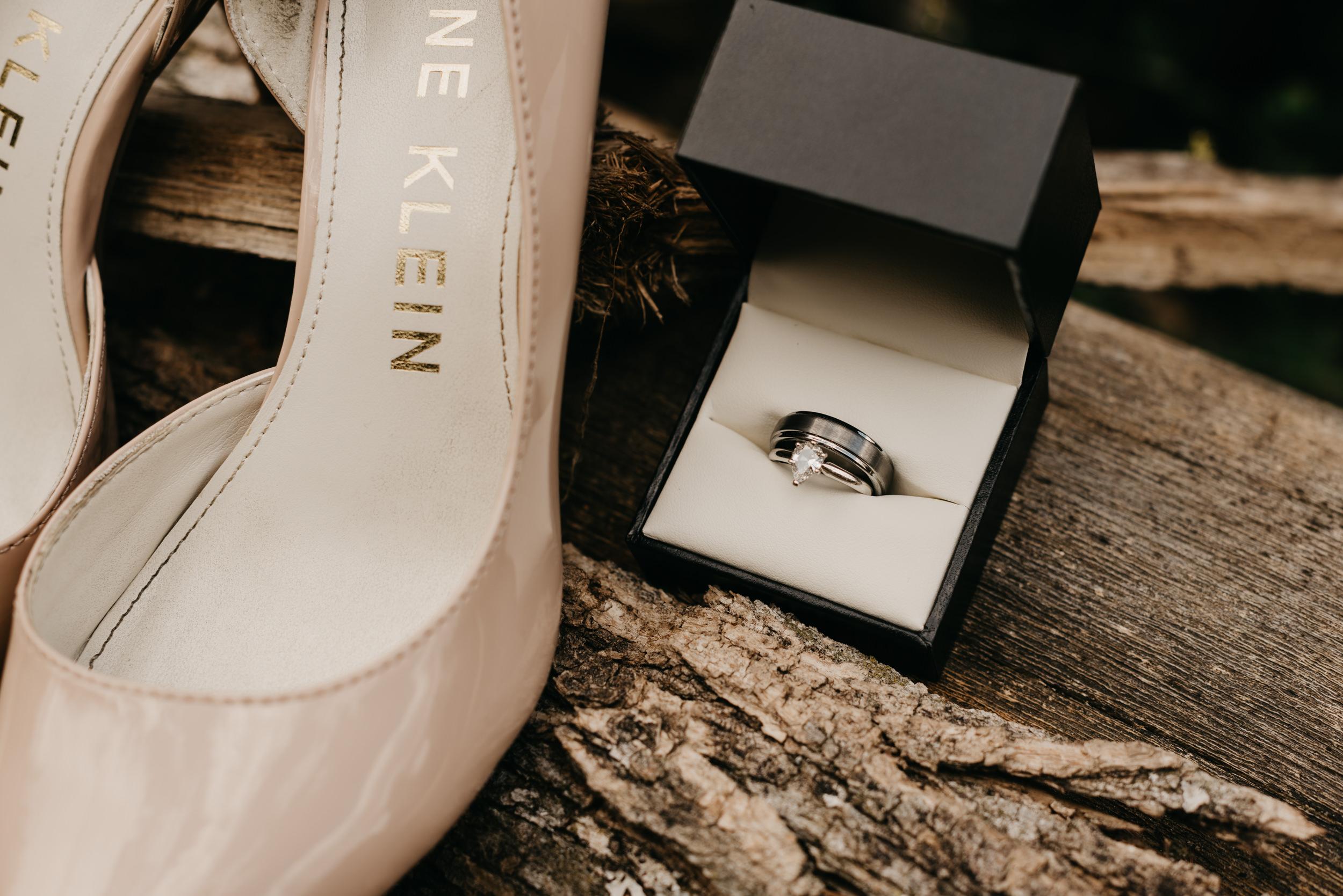 3-bride-getting-ready-groom-bridesmaids-6868.jpg