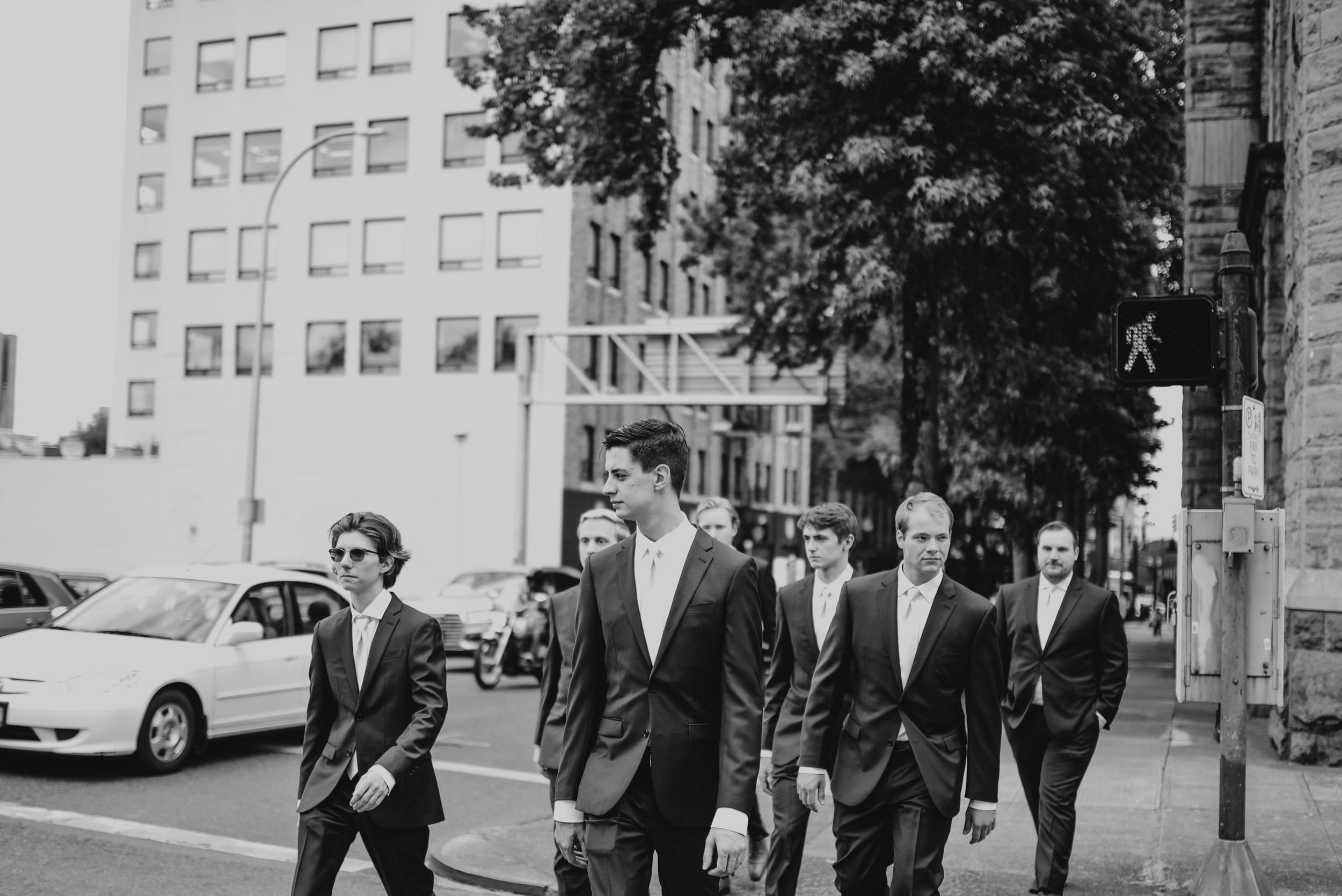 22-bridal-party-downtown-portland-first-look-7165.jpg