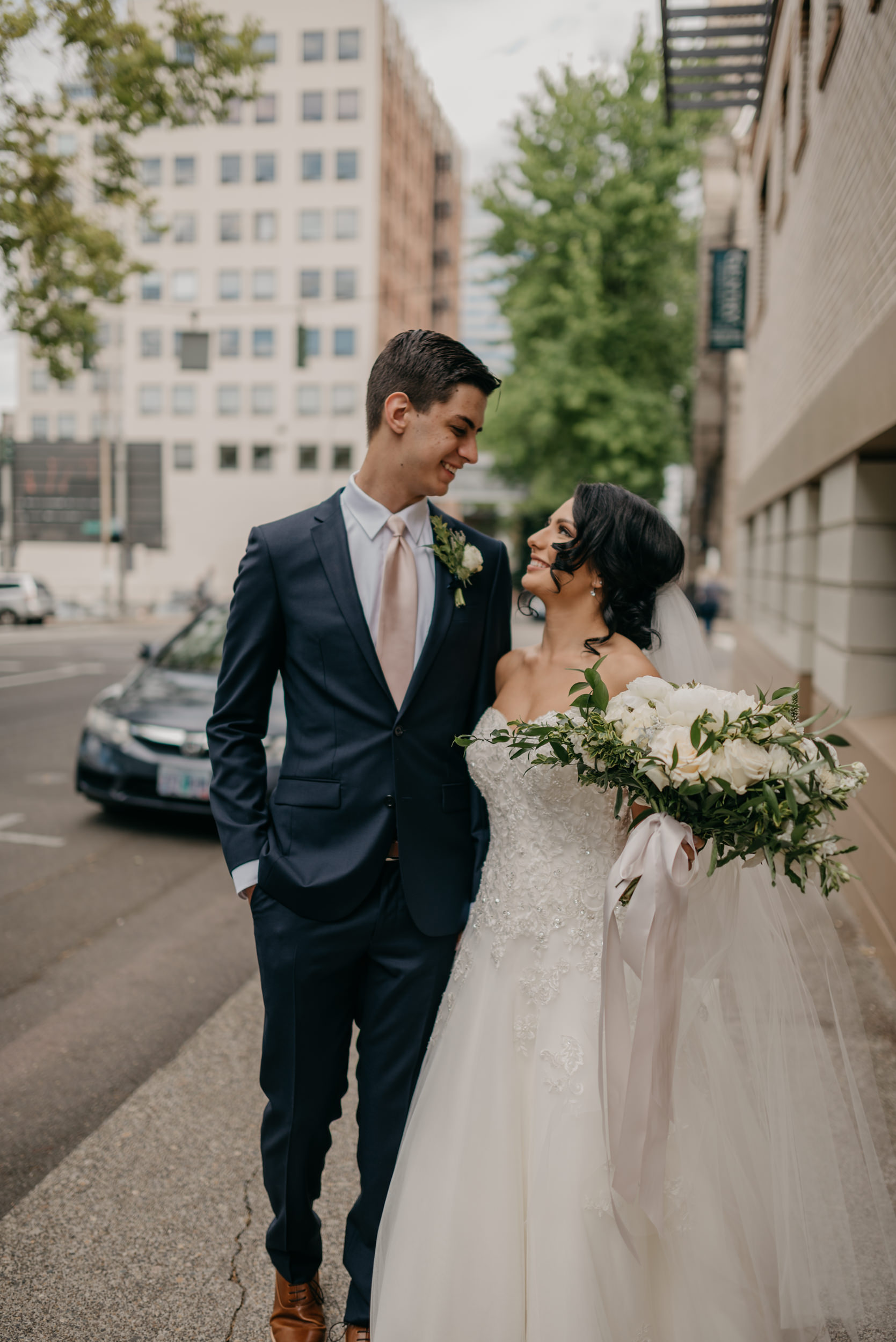 57-bridal-party-downtown-portland-first-look-7626.jpg