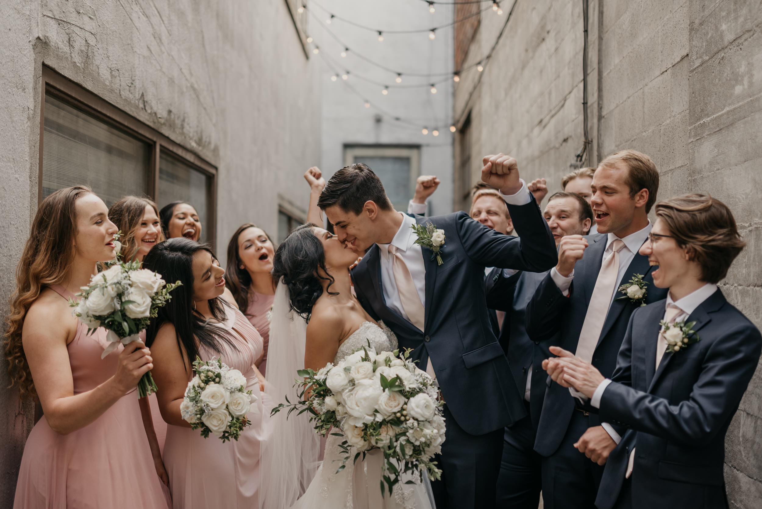 75-bridal-party-downtown-portland-first-look-7827.jpg