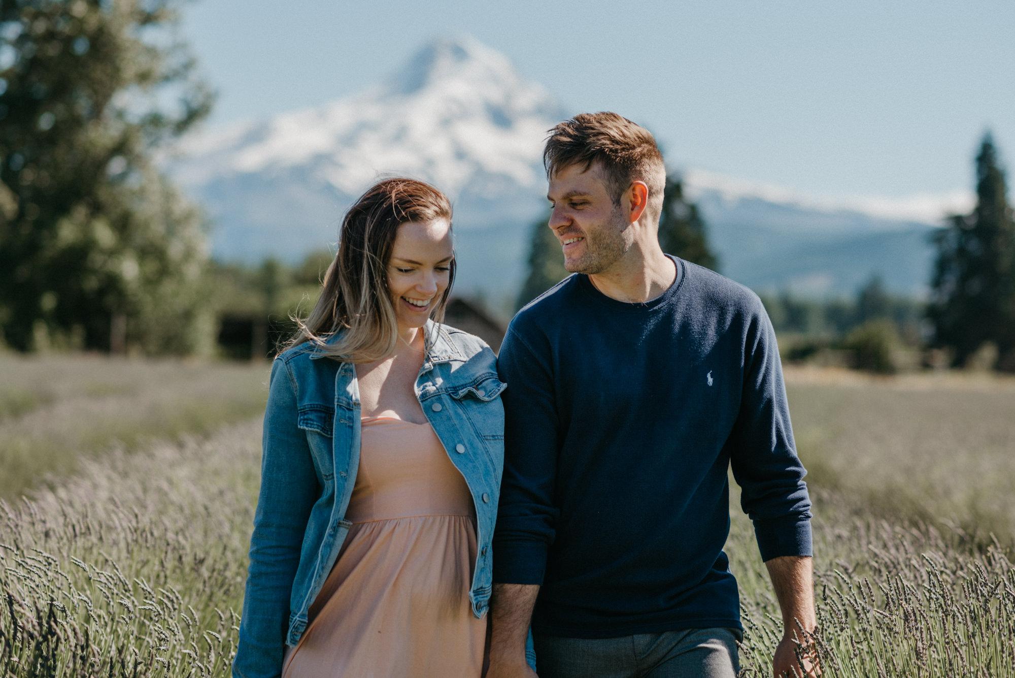 29-Mt-hood-lavender-farms-engagment-couple-summer-7788.jpg