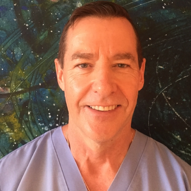DR. LANCE R. HAZELTON DMD, MSD, PROSTHODONTISTCHIEF DENTAL ADVISORDr. Hazelton is a prominent Dentist and Certified Specialist in Prosthodontics practicing in Vancouver, BC. He graduated from the University of British Columbia, Faculty of Dentistry in 1983 and operated his own general dentistry practice for 10 years. FULL BIO HERE -