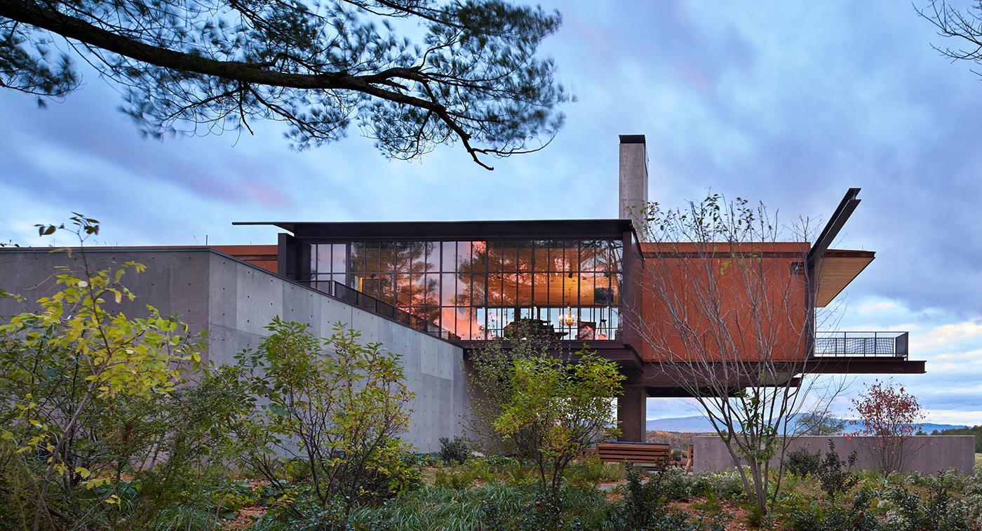 Massachusetts   |   Photo by Benjamin Benschneider for Olsen Kundig Architects