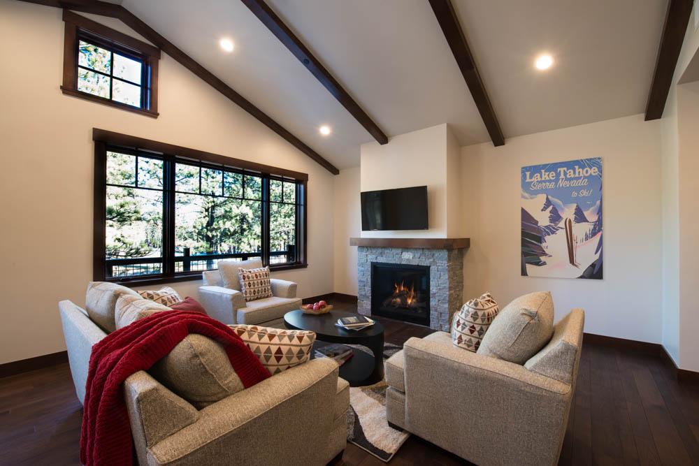 Fairway Townhomes _ Living Room.jpg