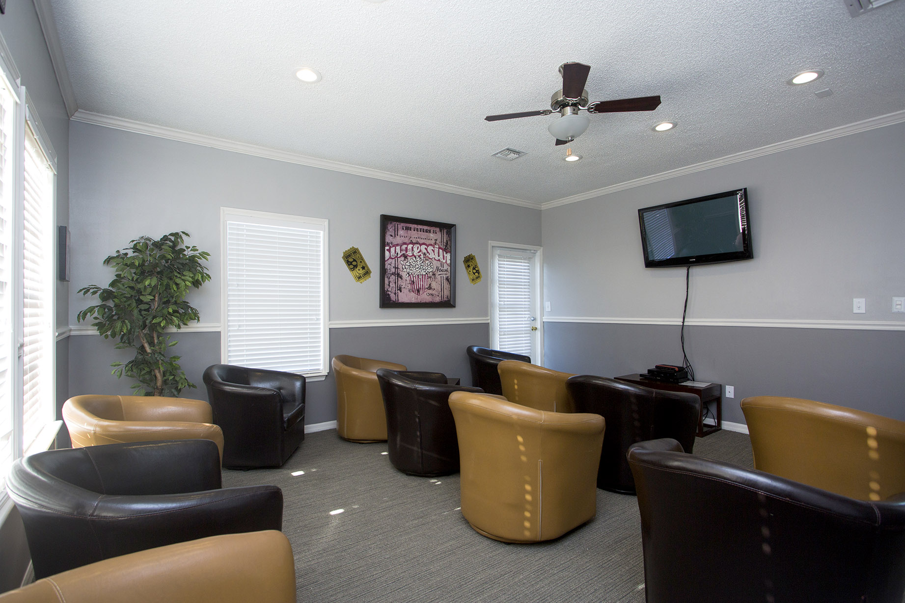 CharlestonLandings-Rental-Apartment-Brandon-Florida-Media-Center2