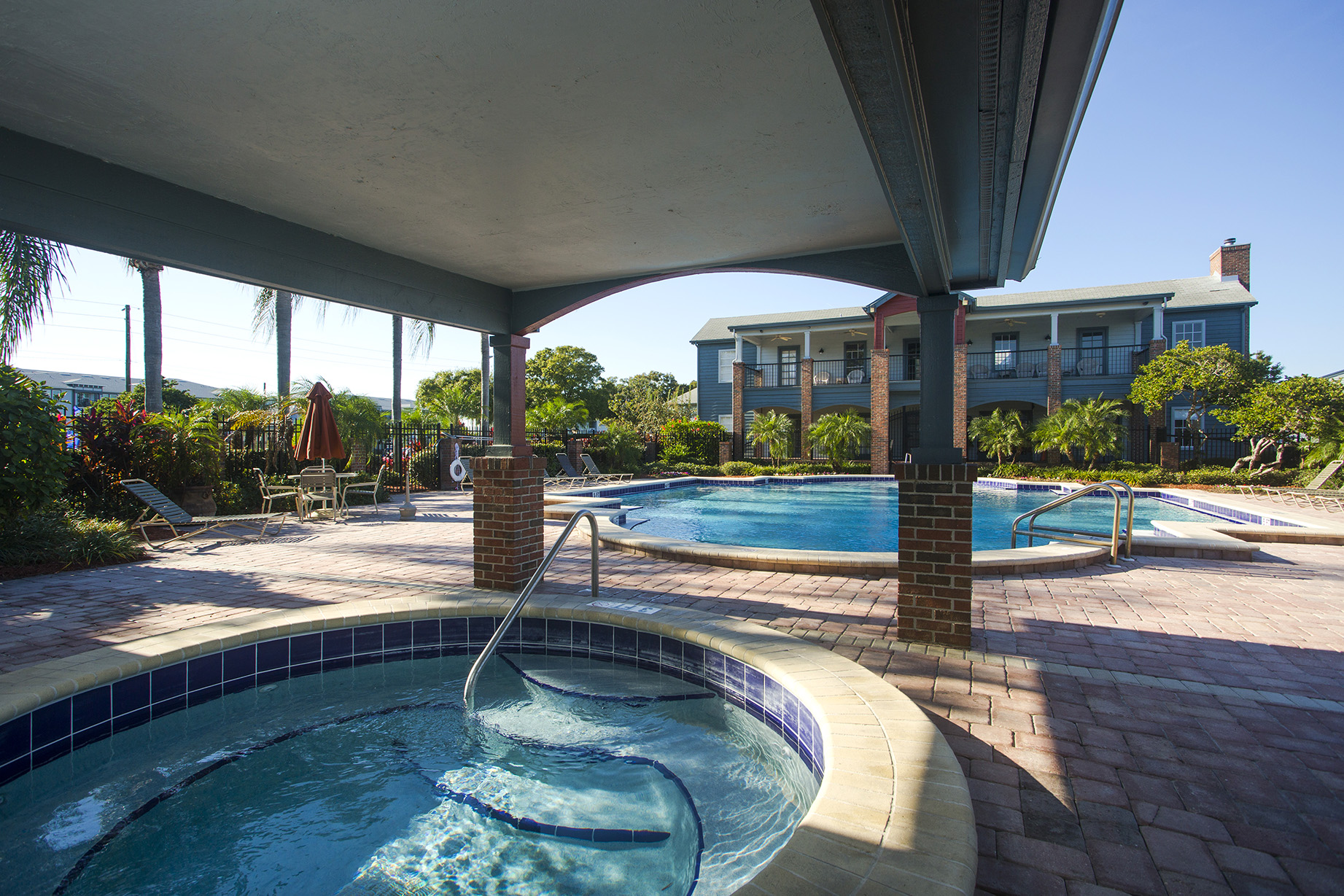 CharlestonLandings-Rental-Apartment-Brandon-Florida-Pool.jpg