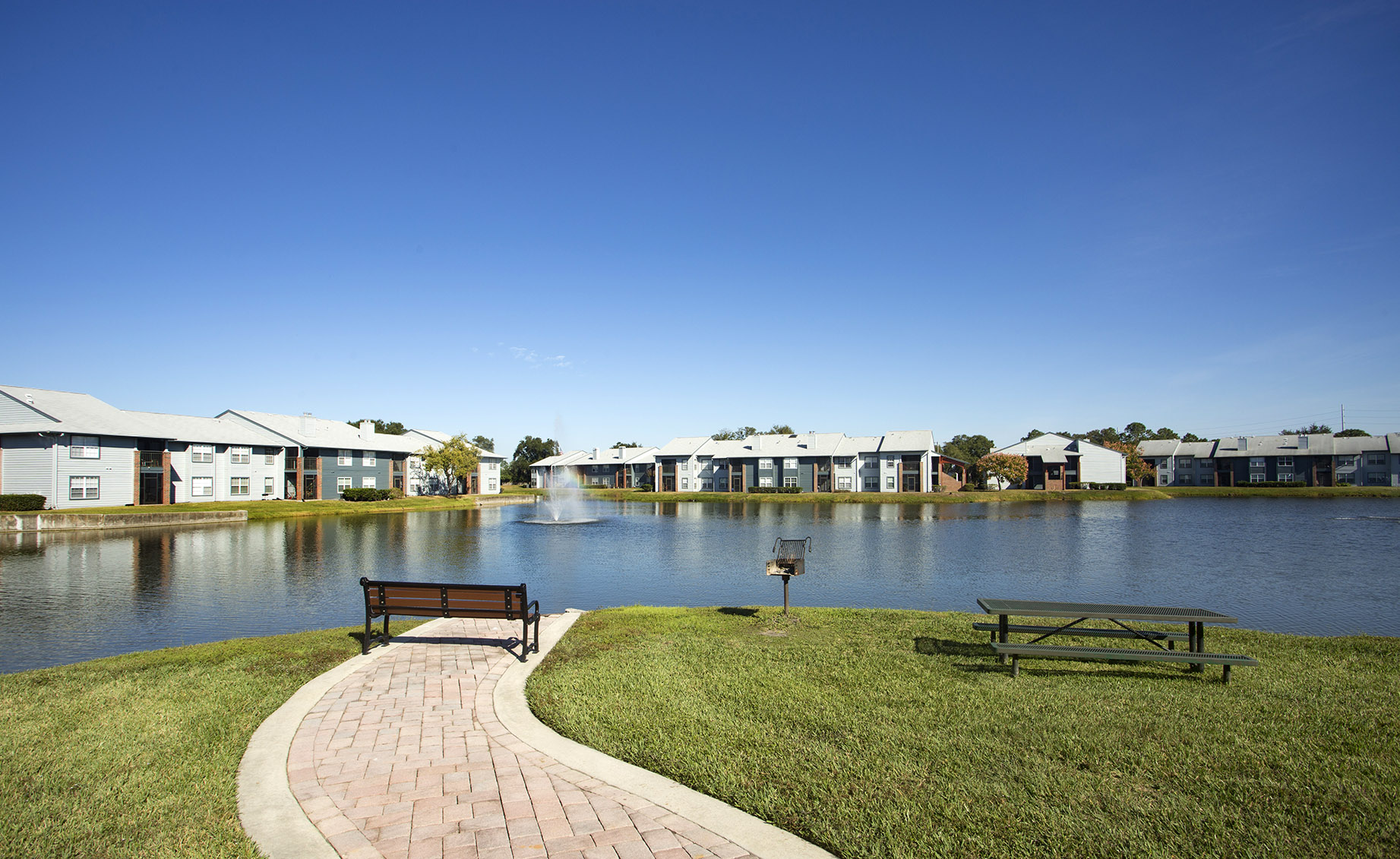 CharlestonLandings-Rental-Apartment-Brandon-Tampa-Florida-Exterior.jpg